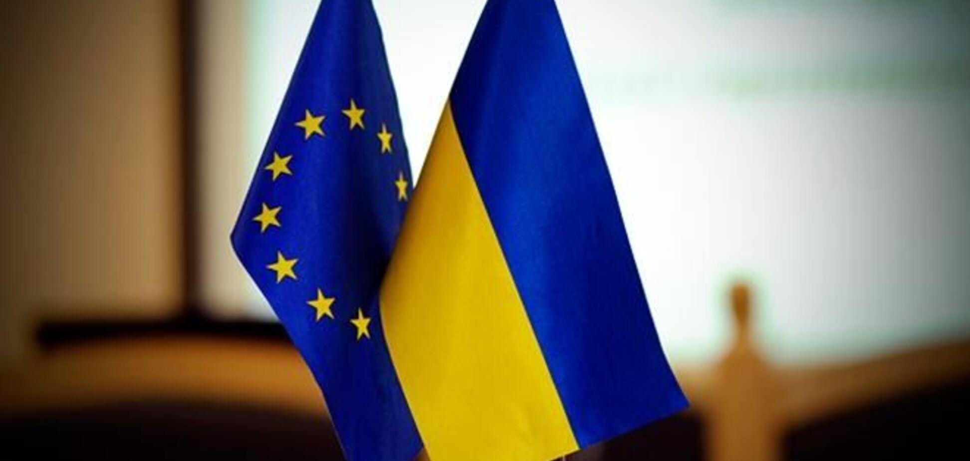 Украина продолжит переговоры по ассоциации с ЕС - пресс-секретарь Азарова
