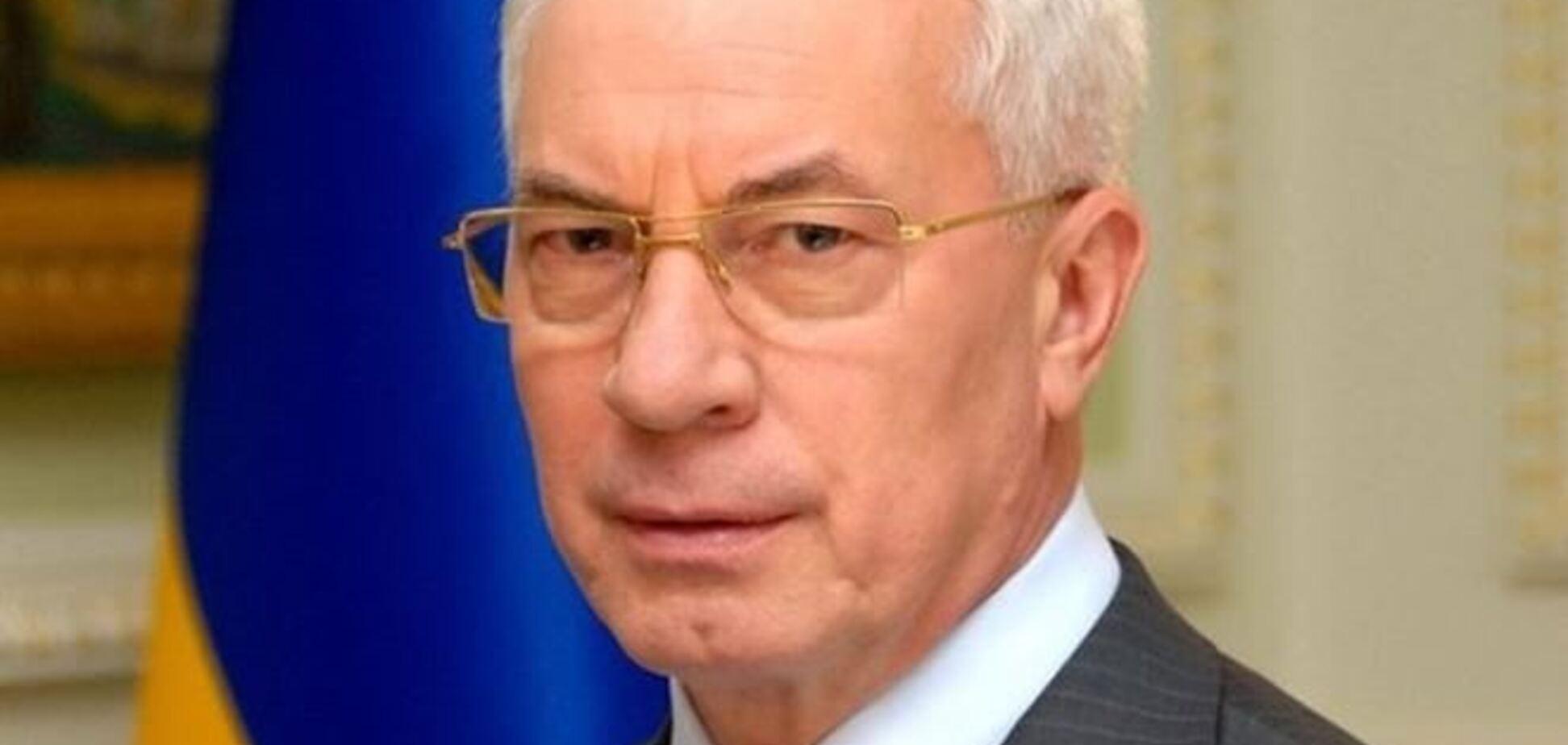 Азаров заявил, что ситуация в Украине напоминает государственный переворот