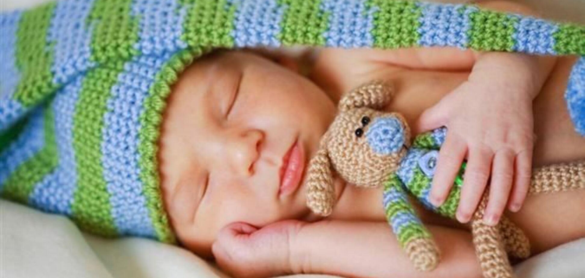 В соцсетях активно обсуждают донецкого новорожденного, которого родители назвали Антимайданом
