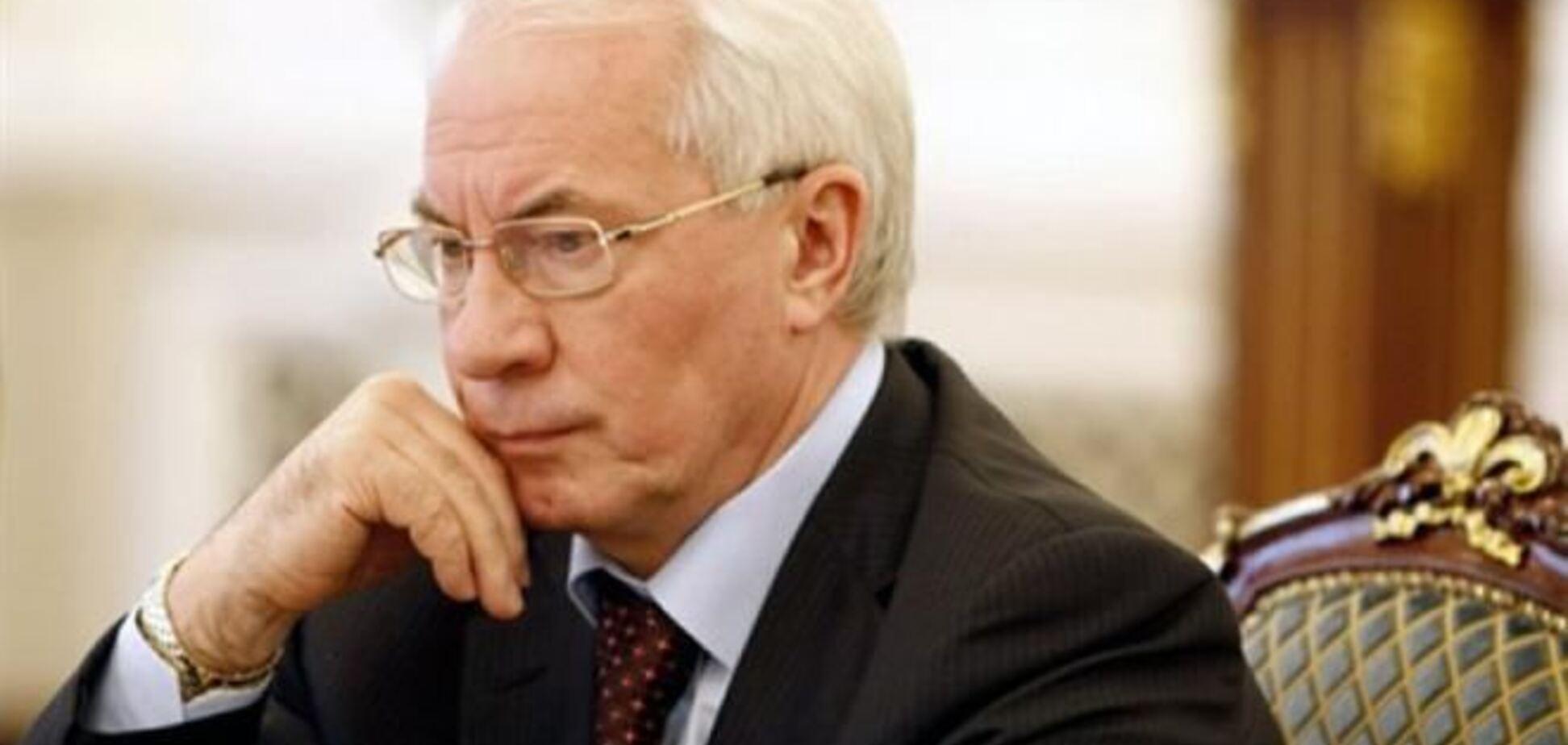 Азаров летить до Москви говорити про Митний союз