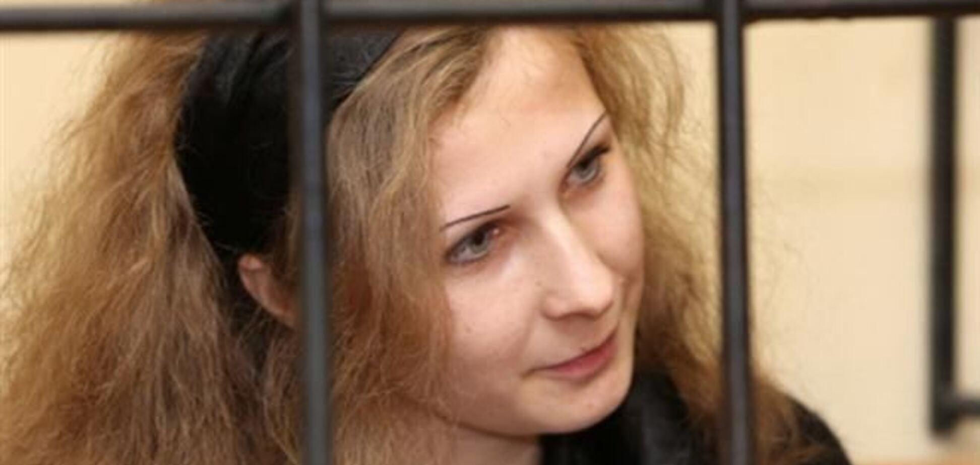 Участница Pussy Riot, отказывающаяся покидать колонию, вышла на свободу