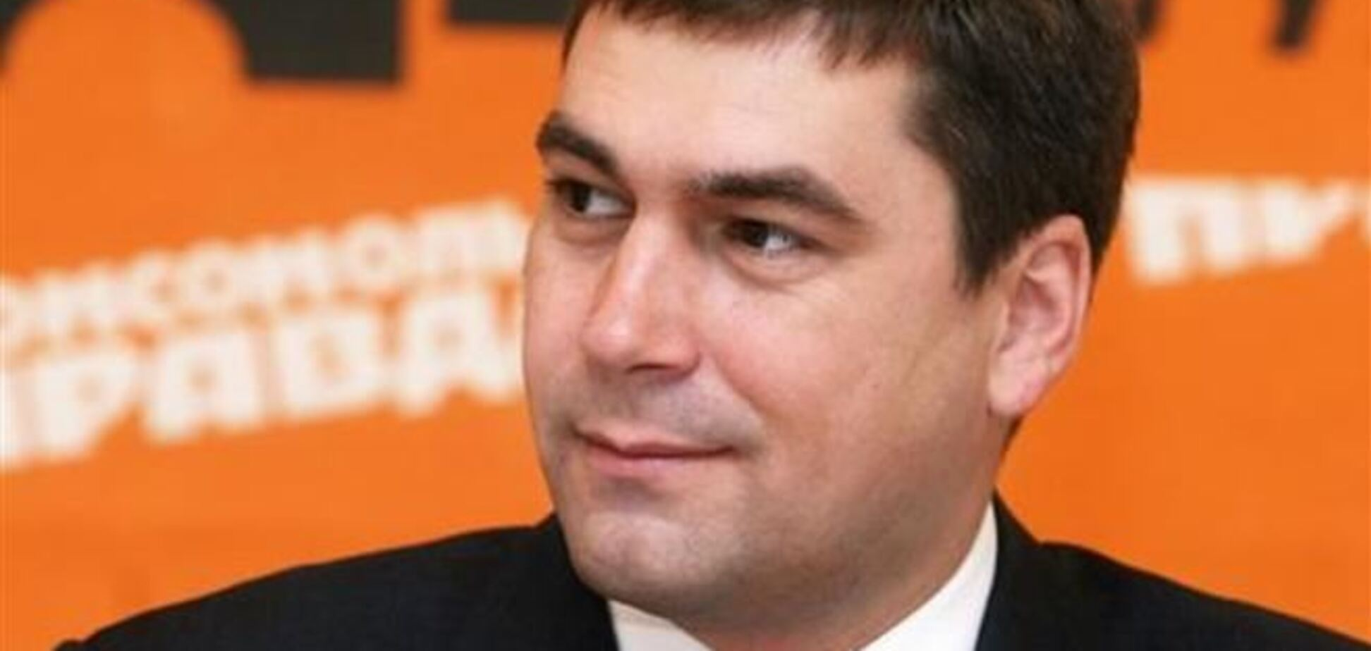 Оппозиционеры, врываясь на заседание Киевсовета, выбили незапертые двери