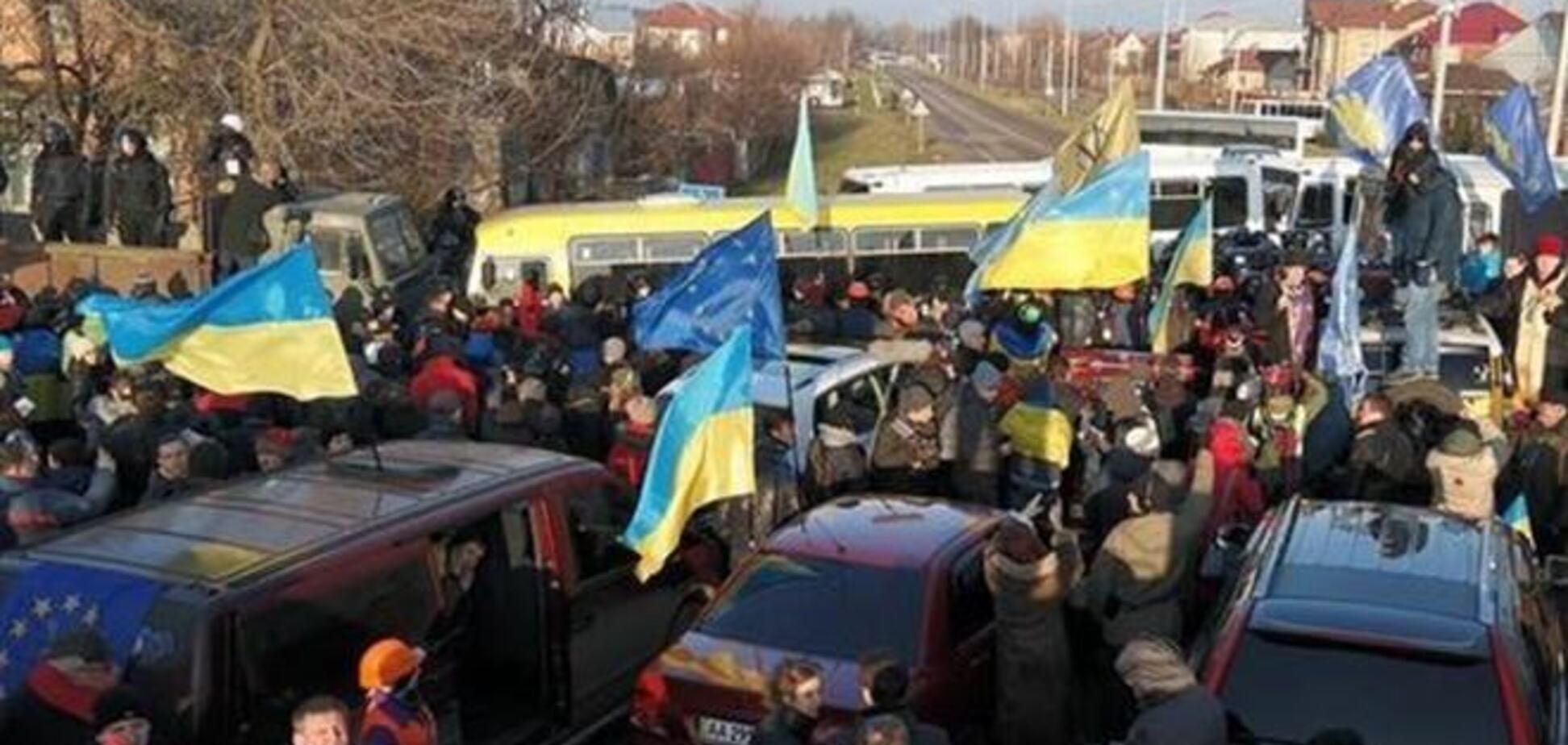 Яценюк под Межигорьем озвучил требования к Януковичу
