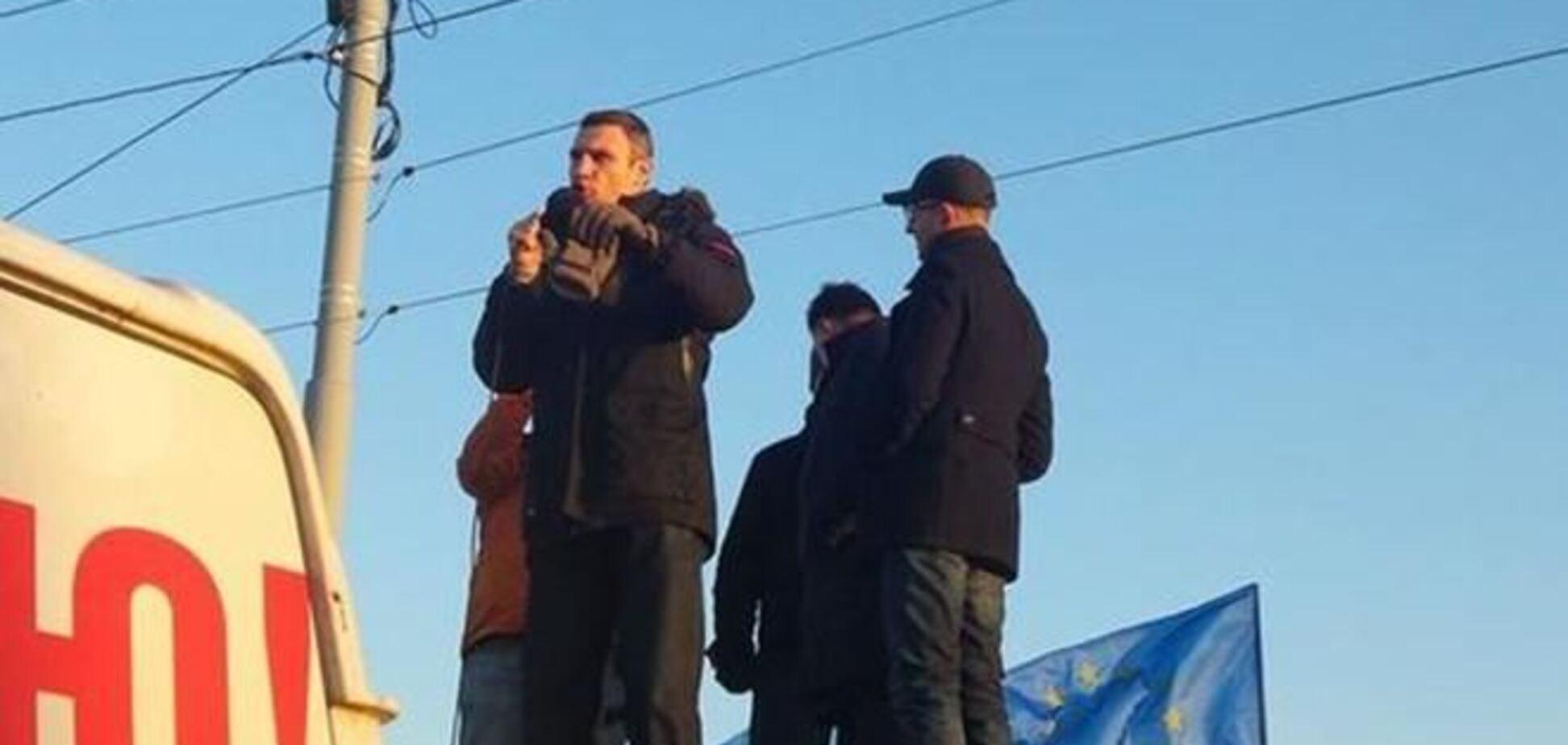Лидеры оппозиции приехали к Межигорью