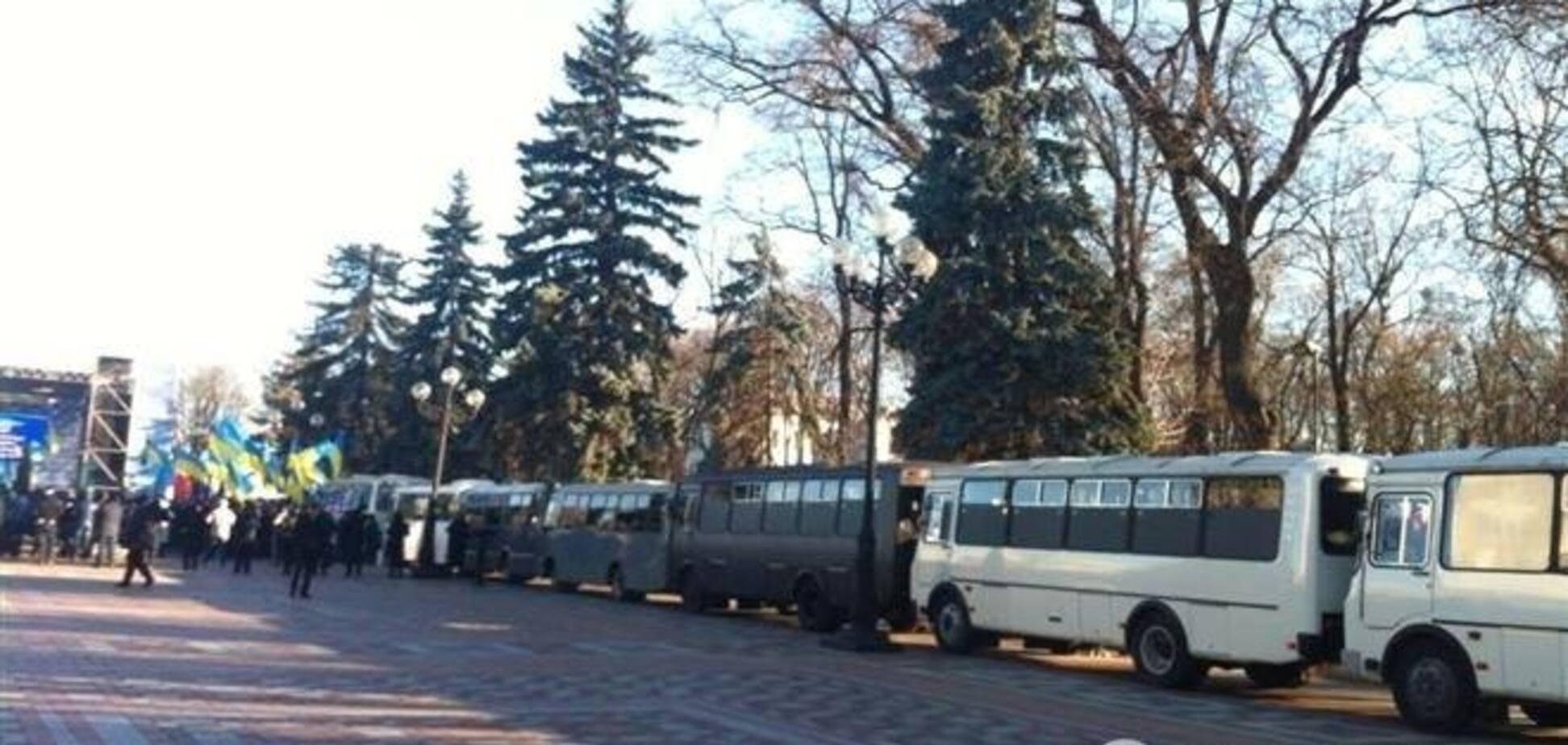 Массовые мероприятия в Киеве проходят спокойно - милиция