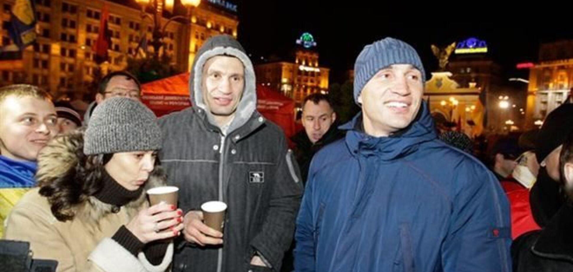 Дружина Кличка показала, як і чим гріється з чоловіком на Майдані
