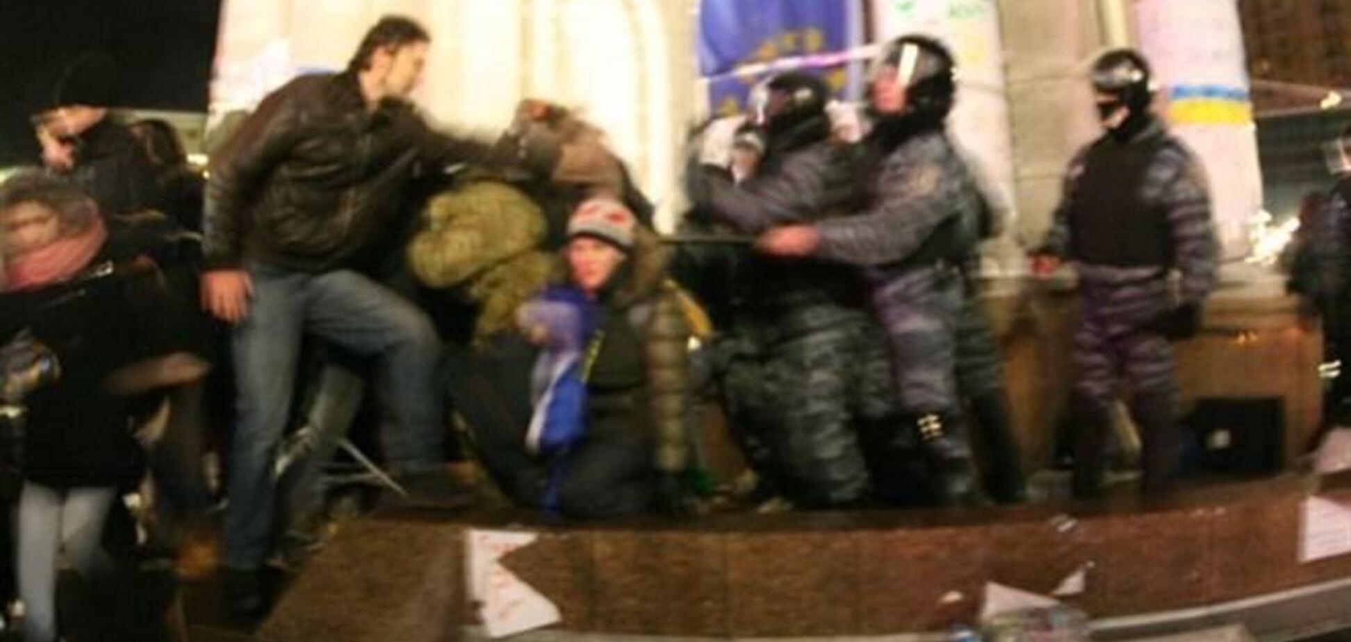Азаров: 'Беркут' на Евромайдане избивал провокаторов, а не студентов