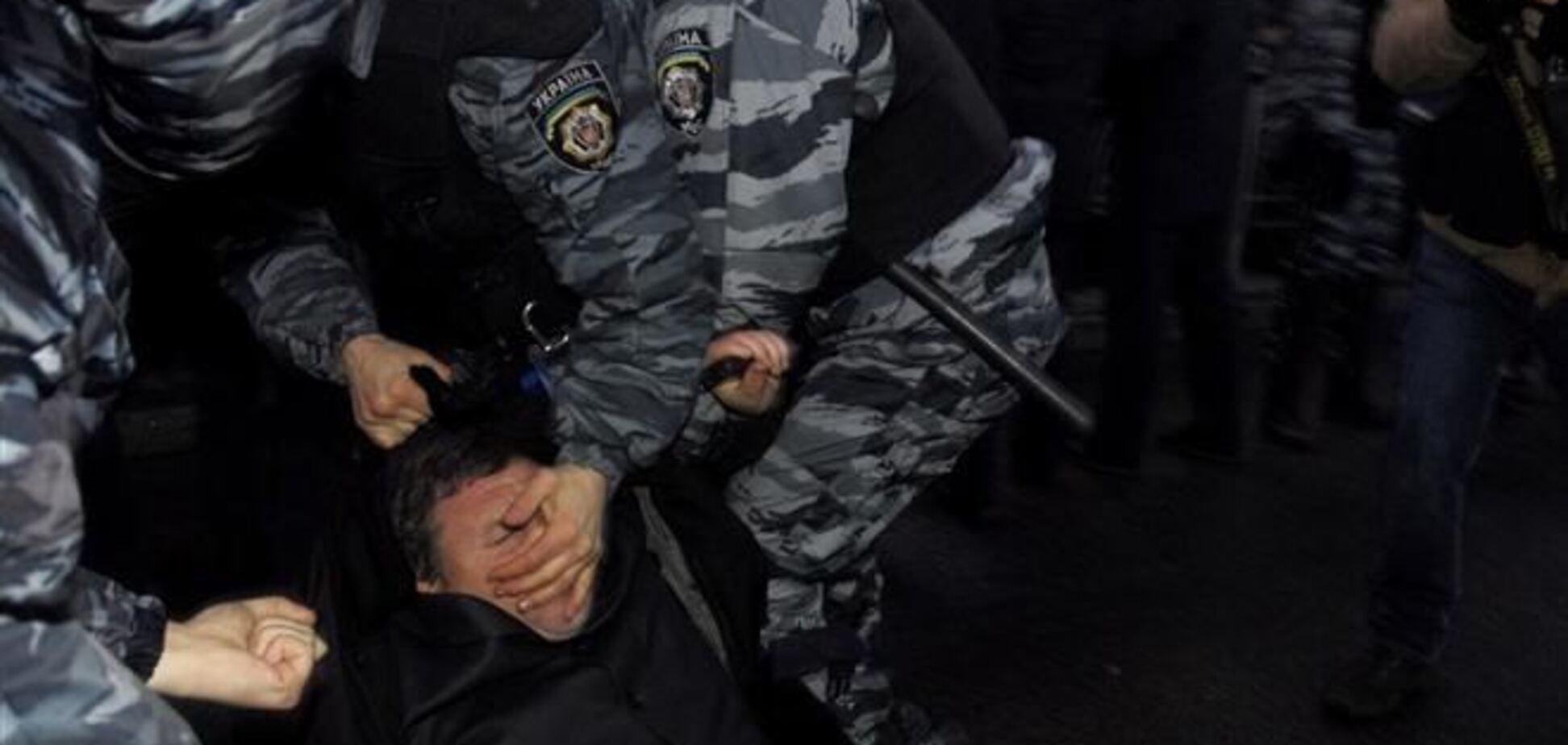 Пшонке передали записи радиообмена 'Беркута' при разгоне Евромайдана