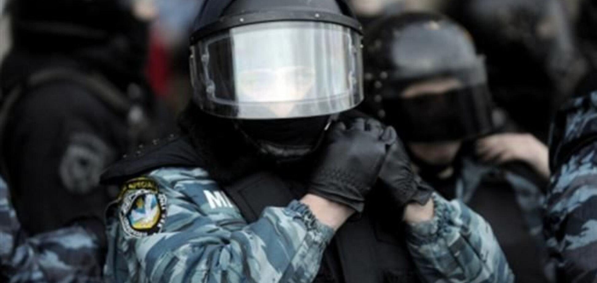 Регионал предлагает наградить защищавших админздания 'беркутовцев'