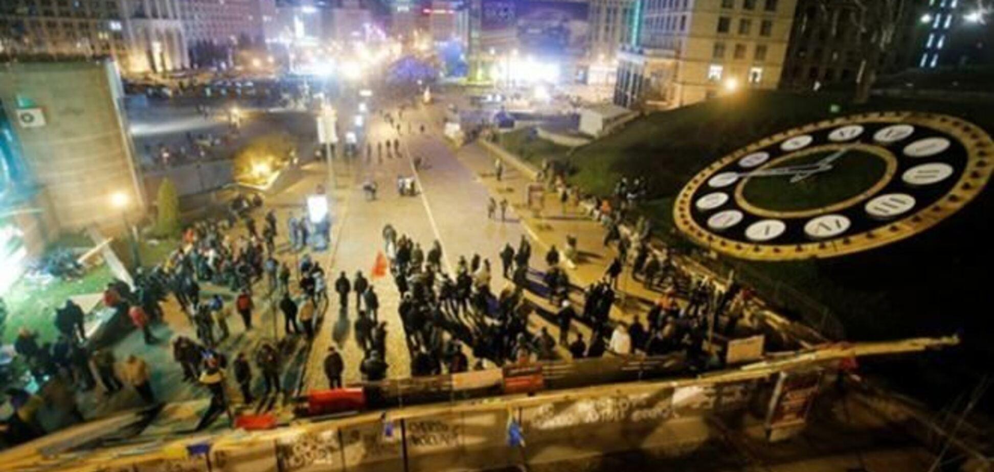 Евромайдановцы стягиваются к баррикадам в ожидании разгона