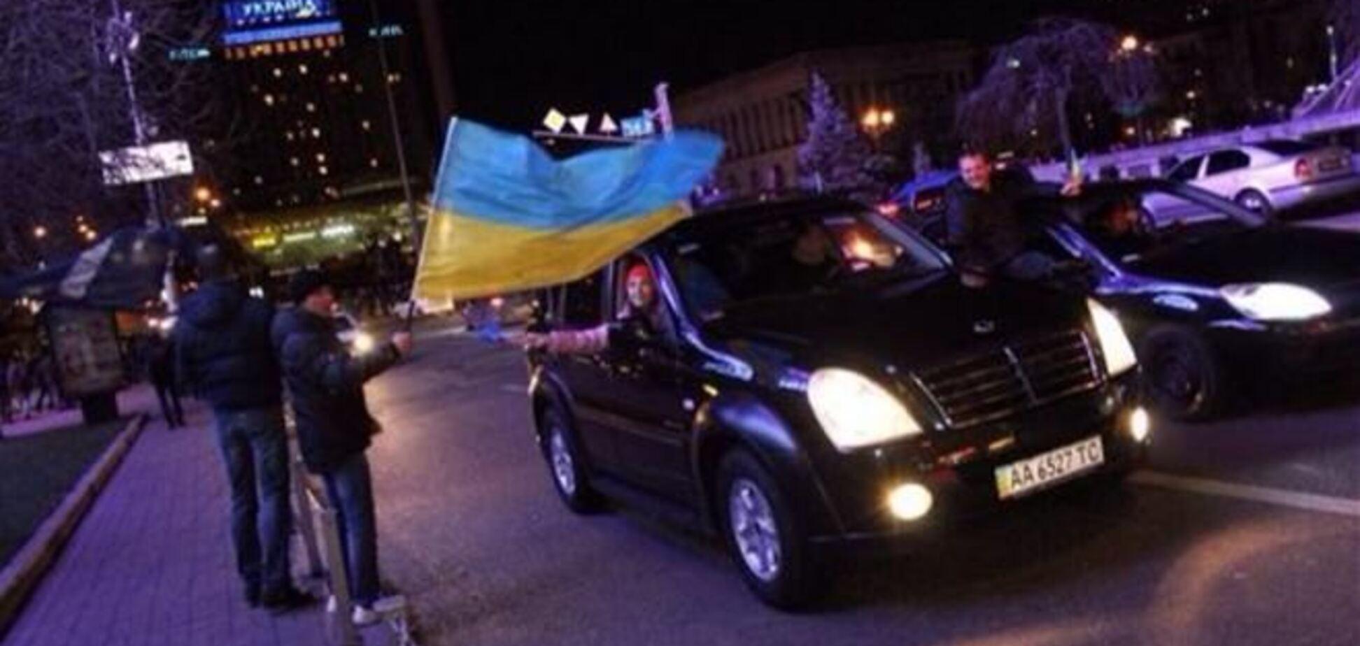 На Евромайдан прибыла автоколонна