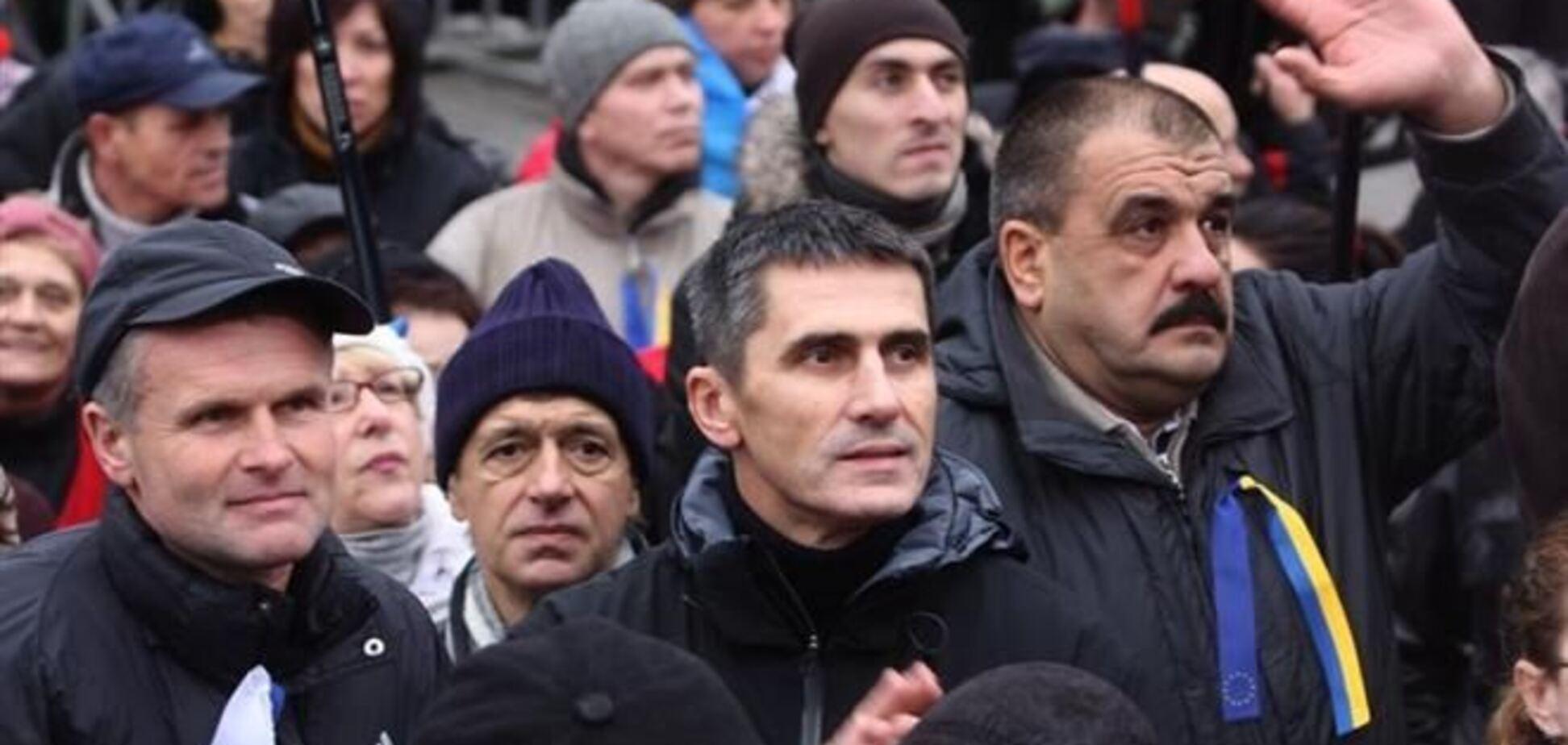 На Евромайдане собралось более семи тысяч митингующих