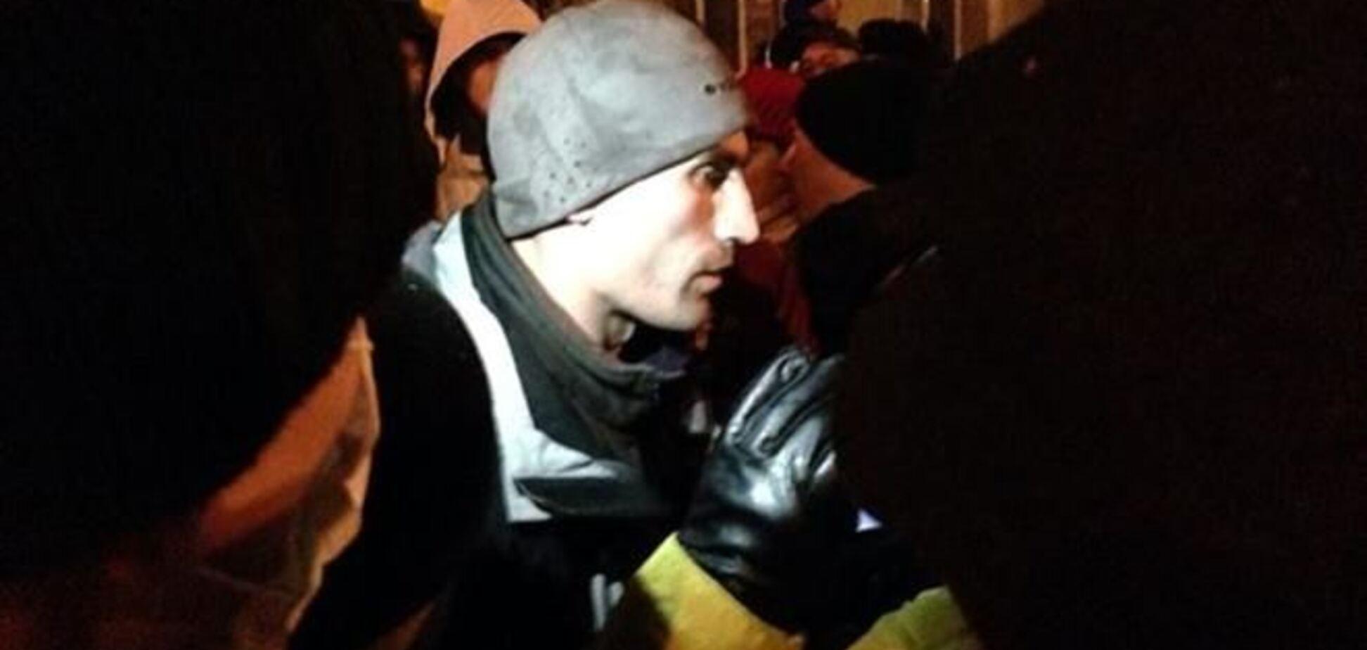 Евромайдановцы задержали провокатора – капитана СБУ