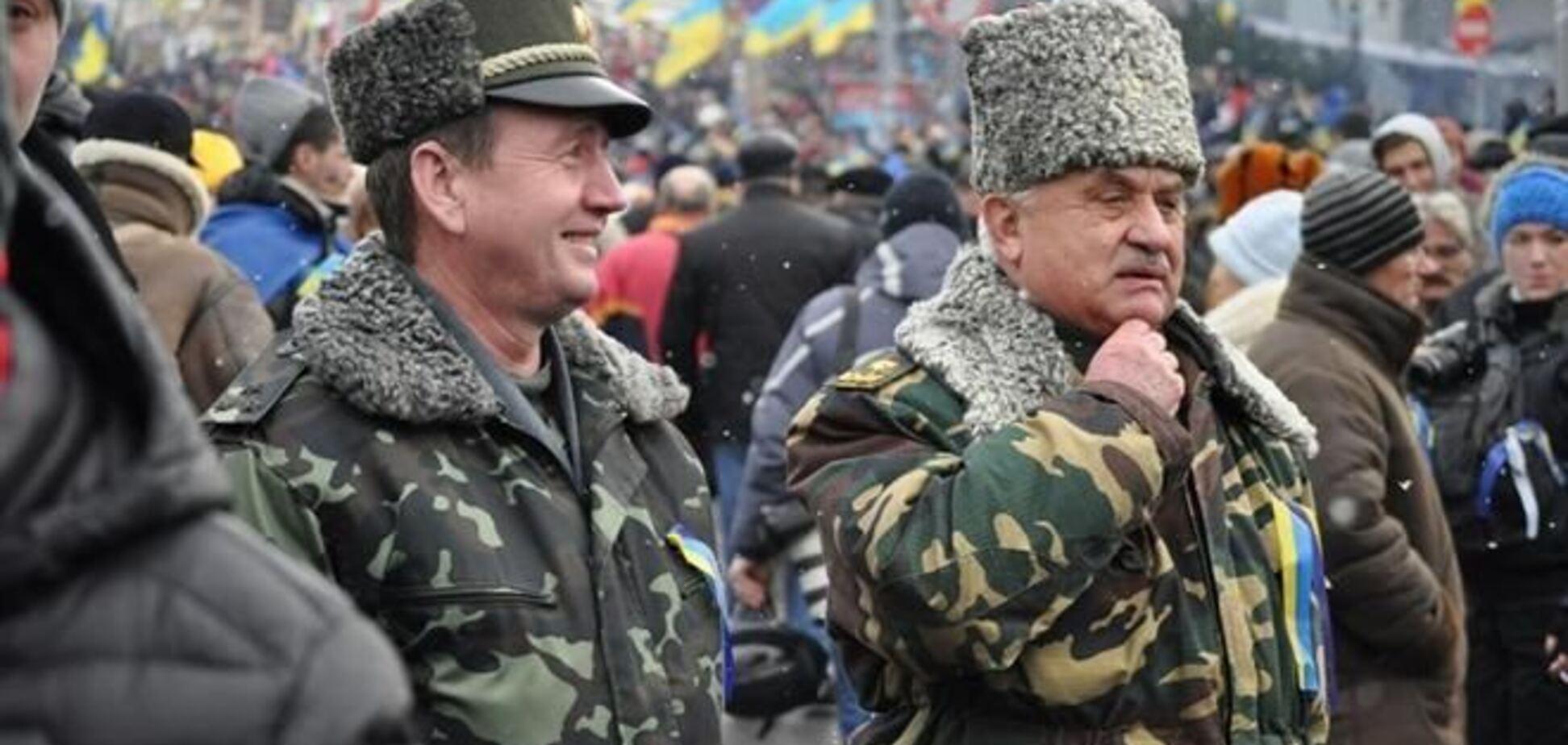 На Евромайдане формируют 'сотни' гражданской обороны