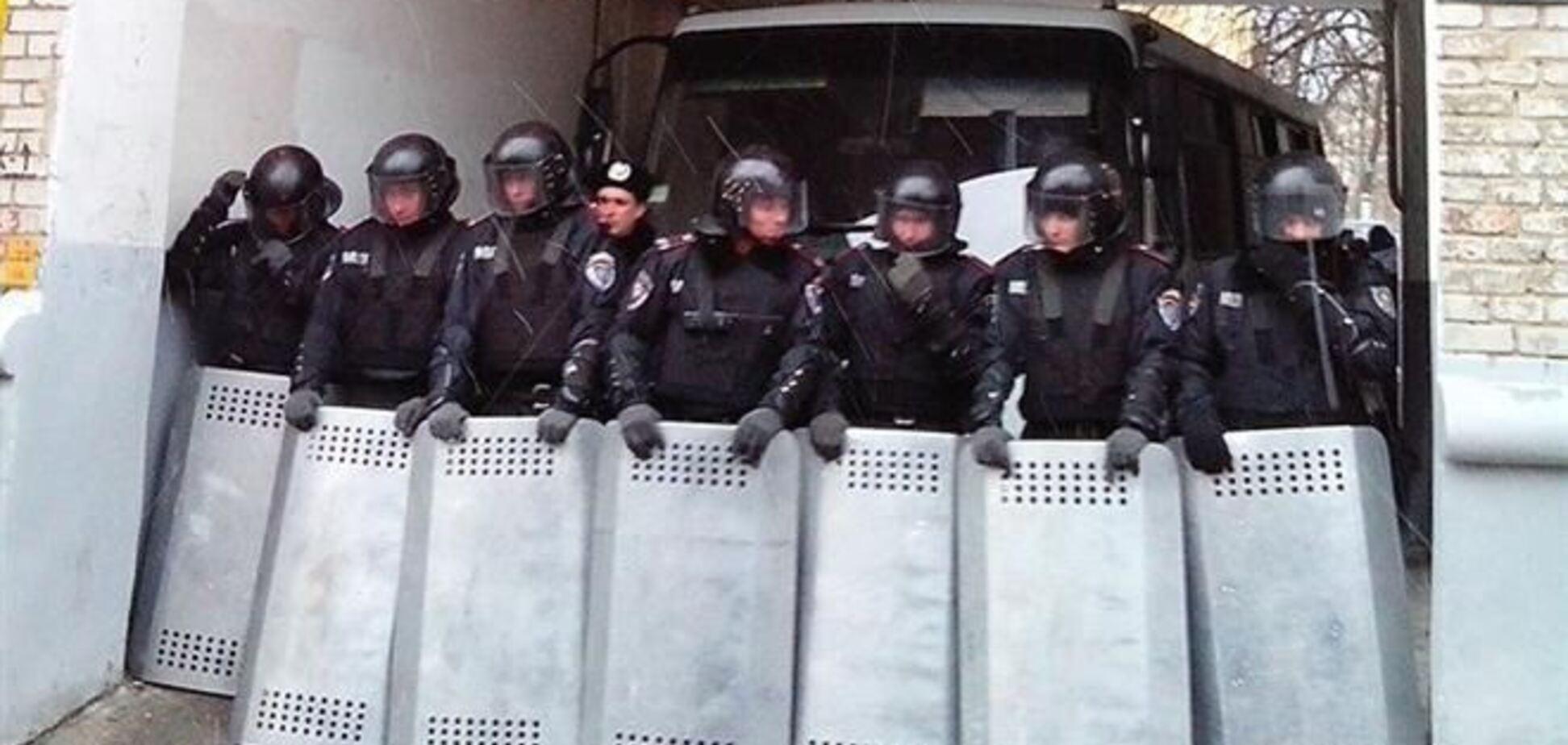 'Беркут' не пускает журналистов в правительственный квартал