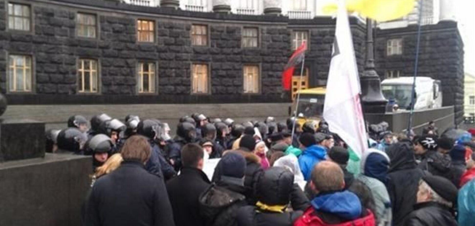 Оппозиция извинилась перед киевлянами за неудобства из-за протестов