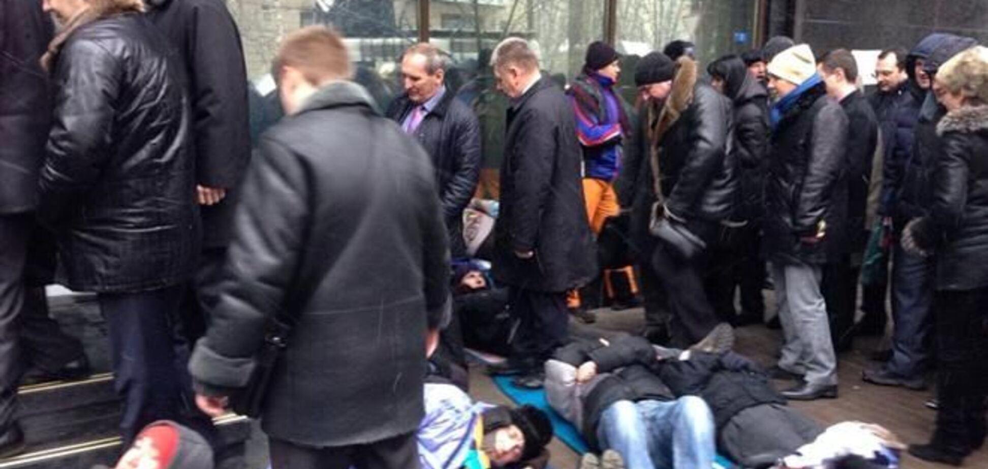 Под ГПУ пройдет лежачий протест