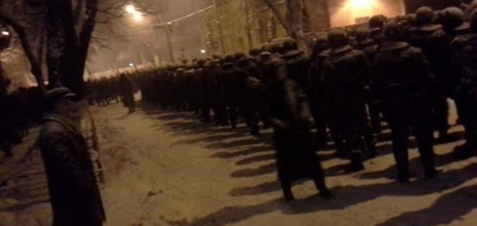 В МВД заявляют, что на Евромайдане начали вооружать митингующих