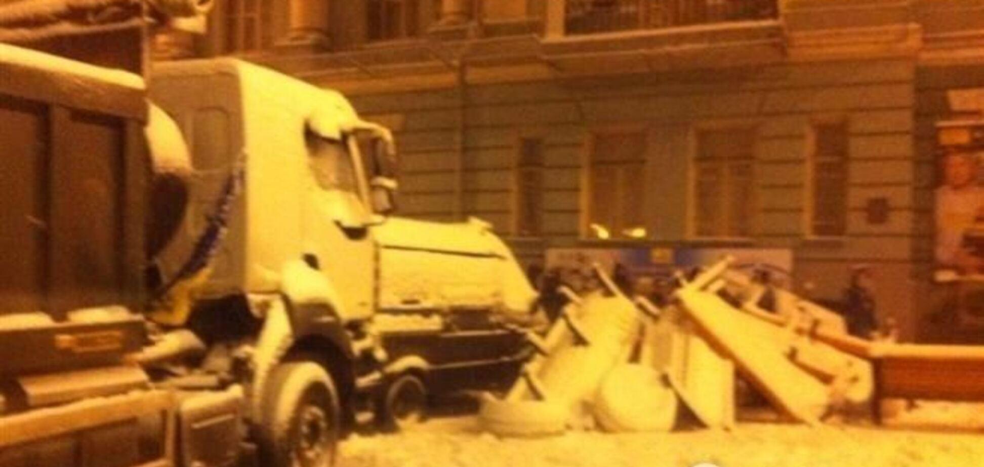 Задачей милиции было разблокировать улицы для передвижения людей и транспорта -  МВД