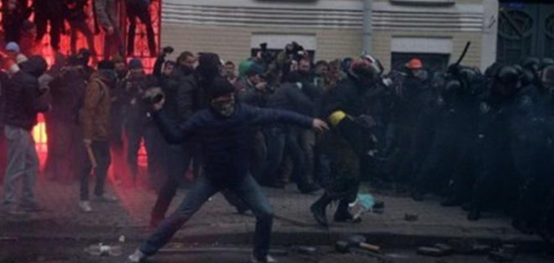 Во Львове задержали снимавшего разгон Майдана фотографа