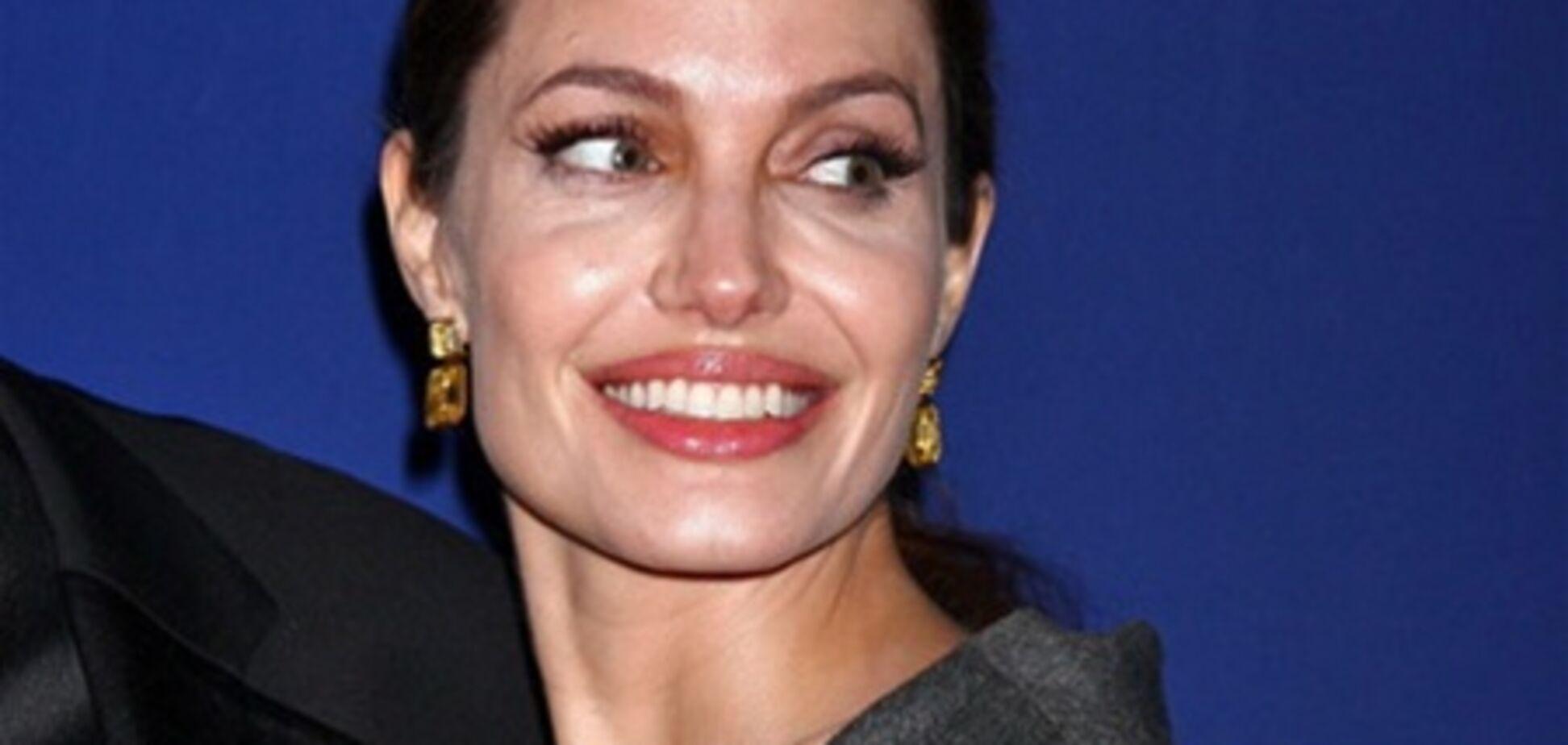 Братья Коэны напишут сценарий для Анджелины Джоли