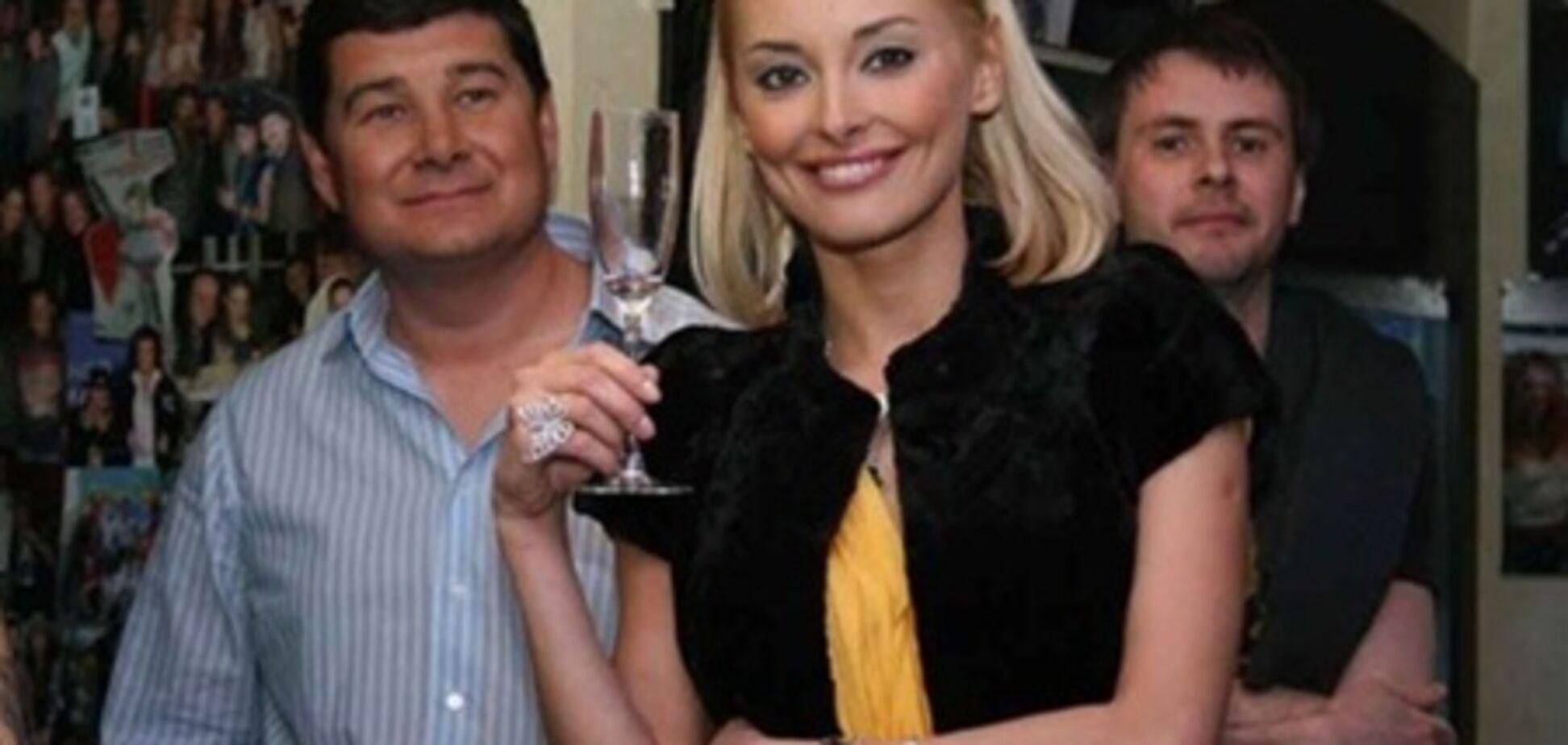Экс-супруга нардепа Онищенко ждет ребенка от другого мужчины