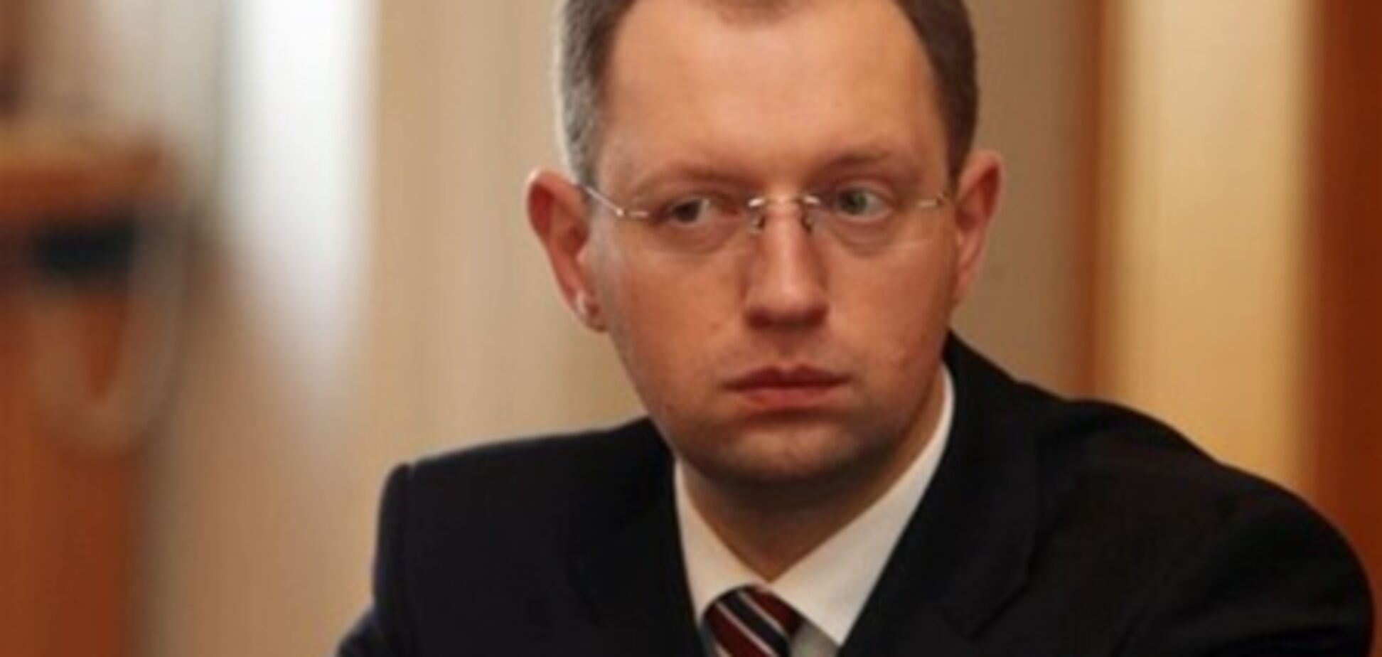 Яценюк: коли нардепи мандати і зарплати беруть особисто, нехай і голосують особисто