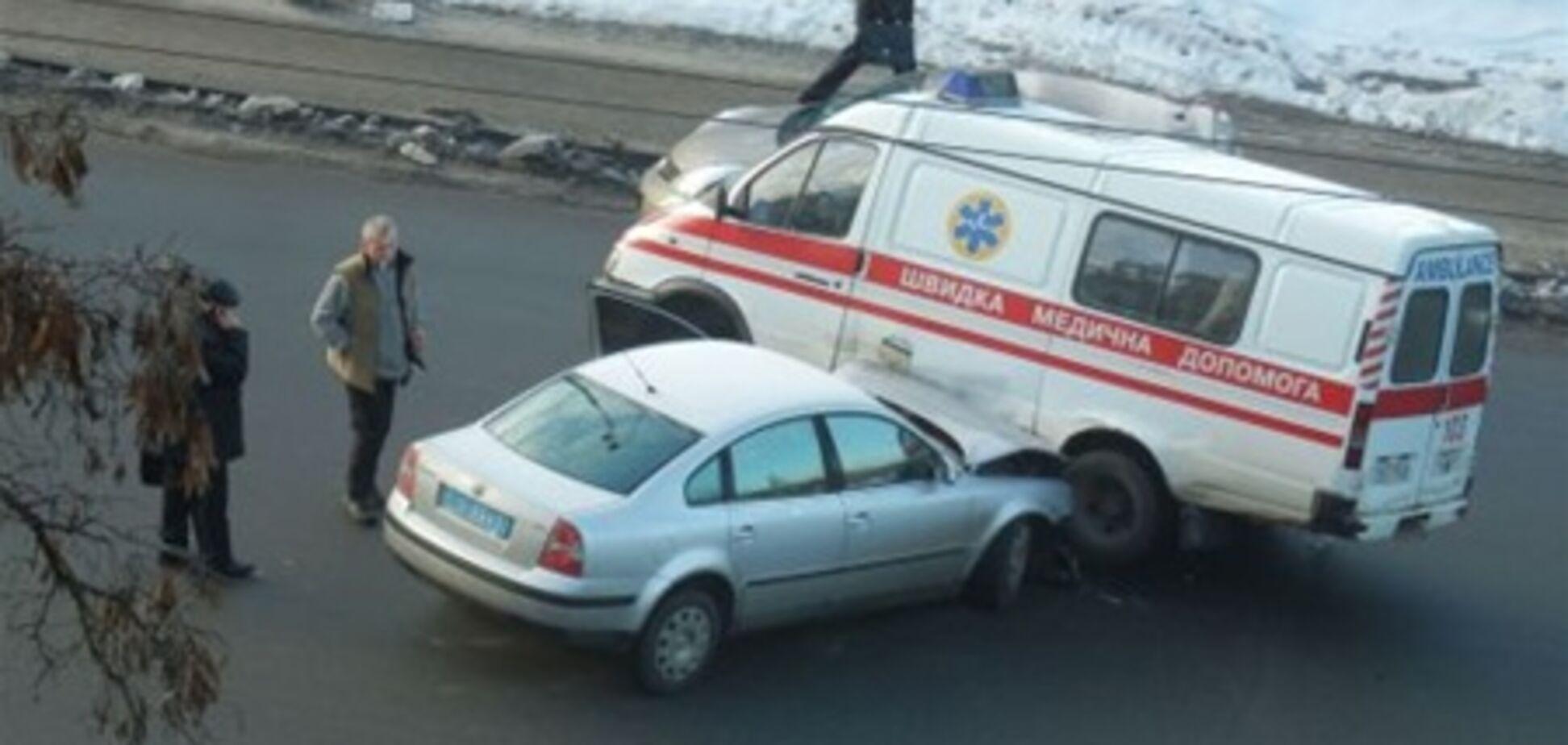 В Киеве милиция на высокой скорости протаранила 'скорую'