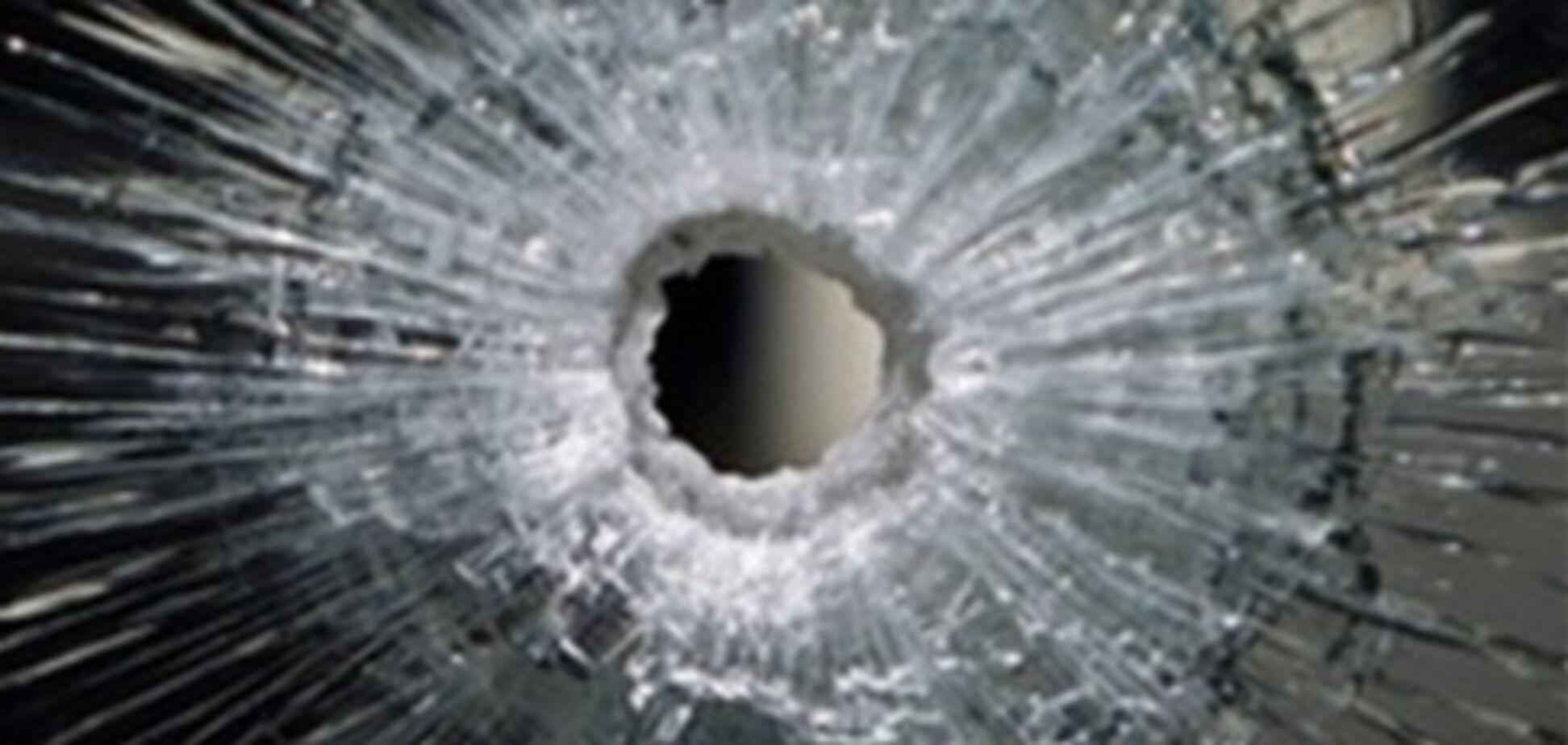 В кафе на Троещине подстрелили двух парней