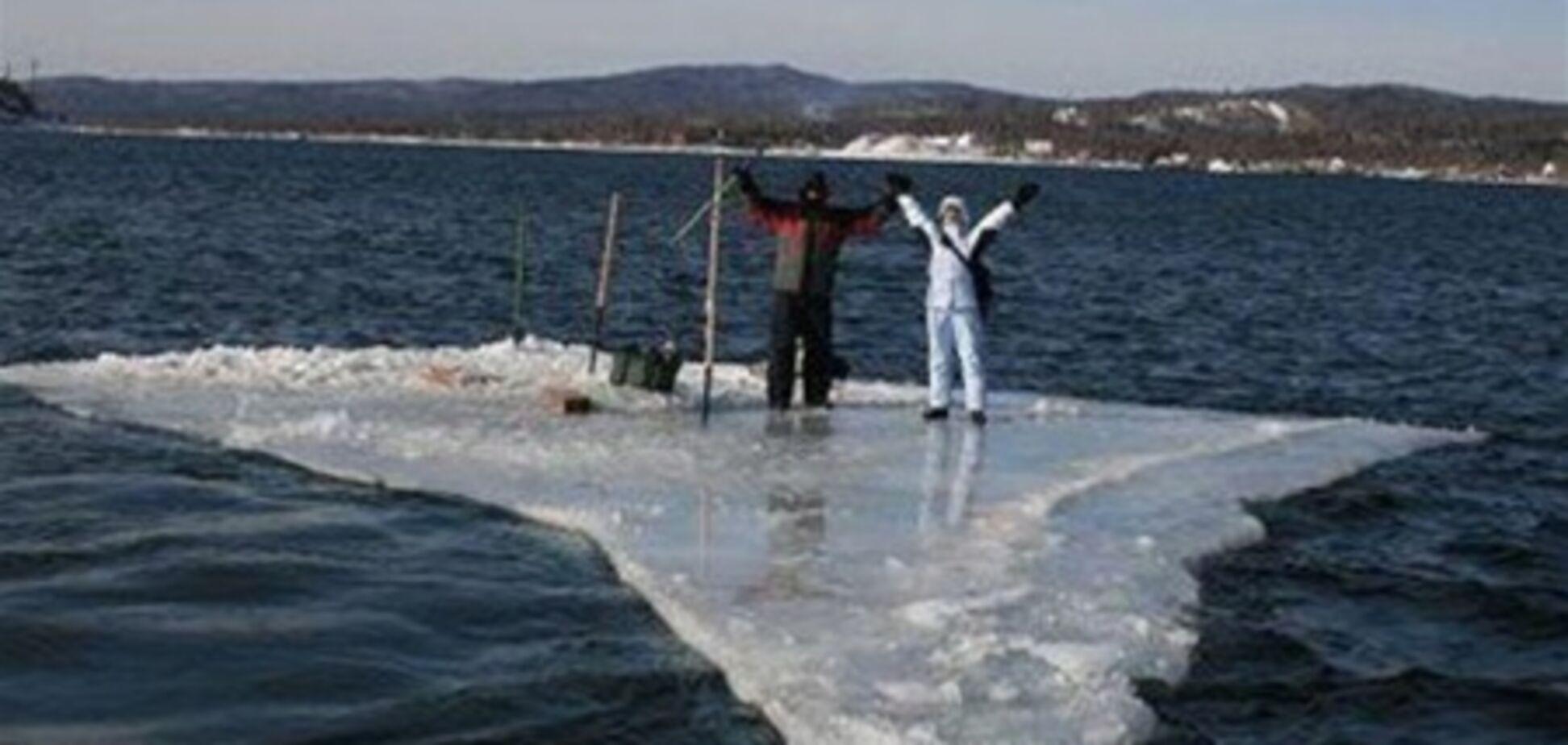 На Полтавщине 20 рыбаков дрейфуют на льдине
