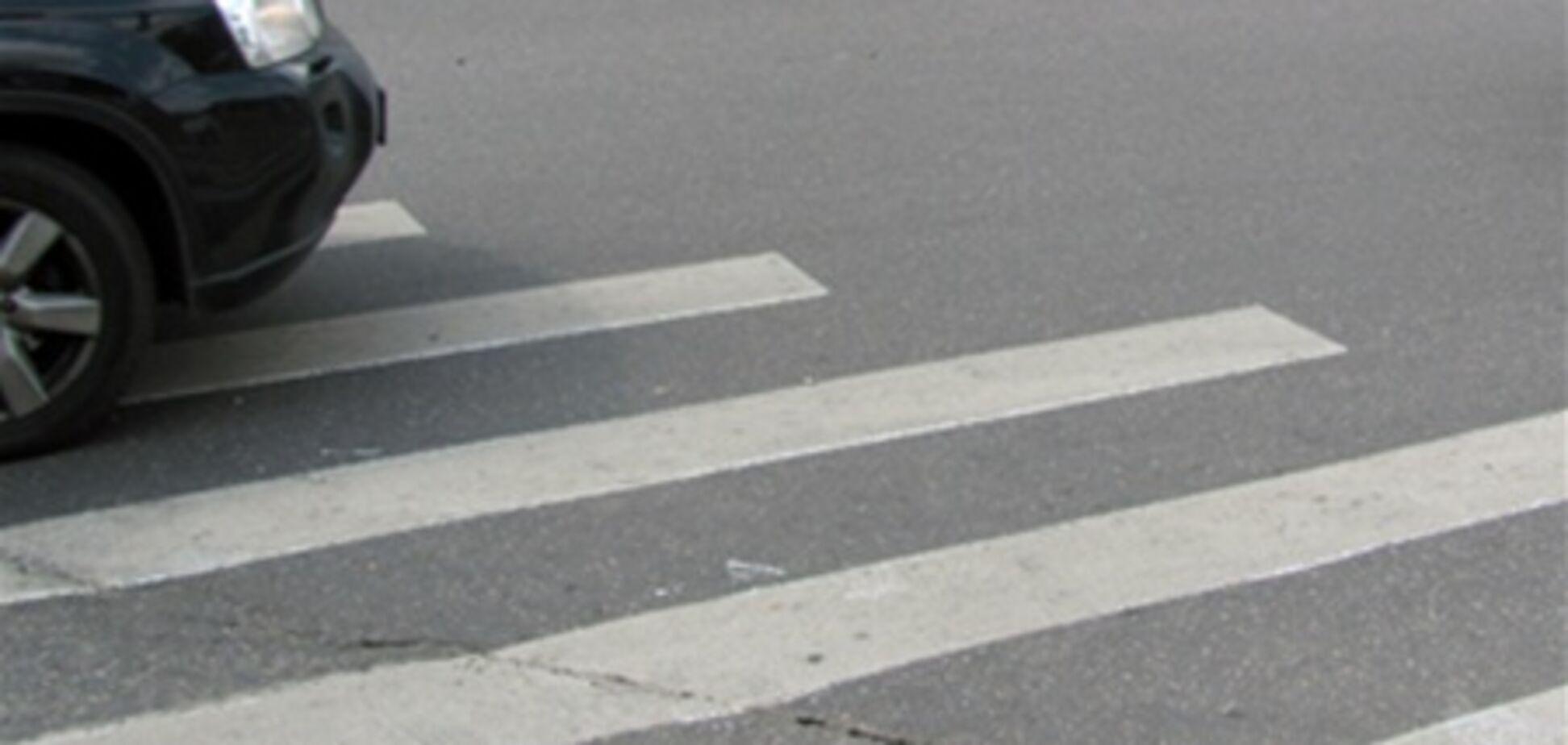 В Киеве ищут водителя, который сбил девочку