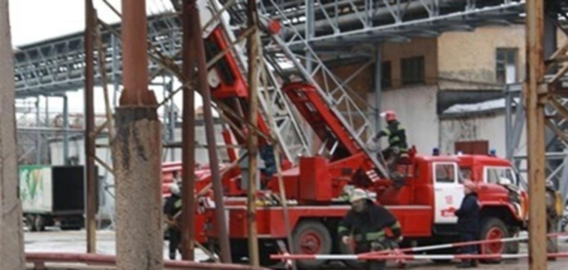 В Червонограде случился крупный пожар на мебельном складе