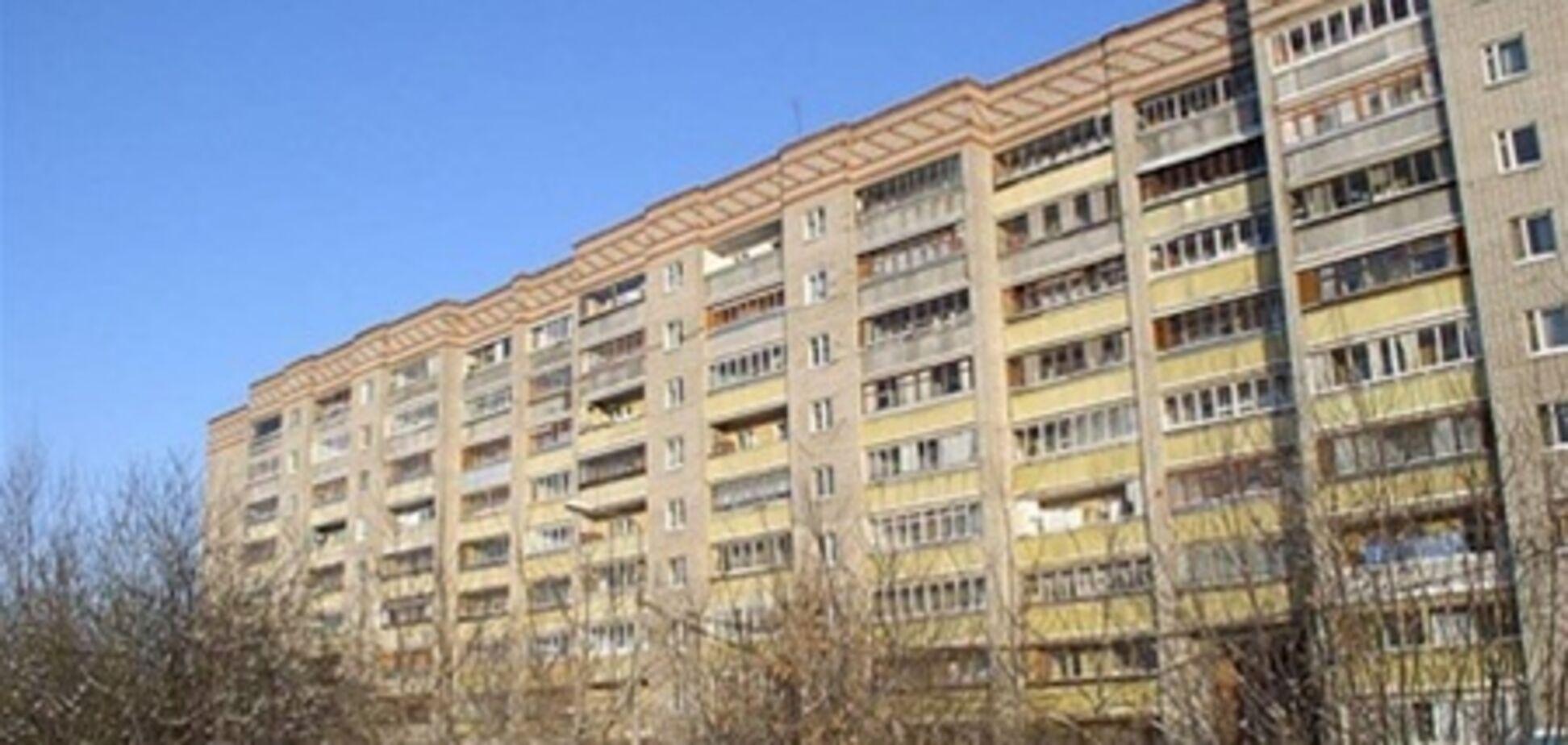 В Харькове девушка спрыгнула с крыши 9-этажки