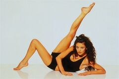 Гимнастка Кэтрин Зета-Джонс в спортивном белье: год 1996
