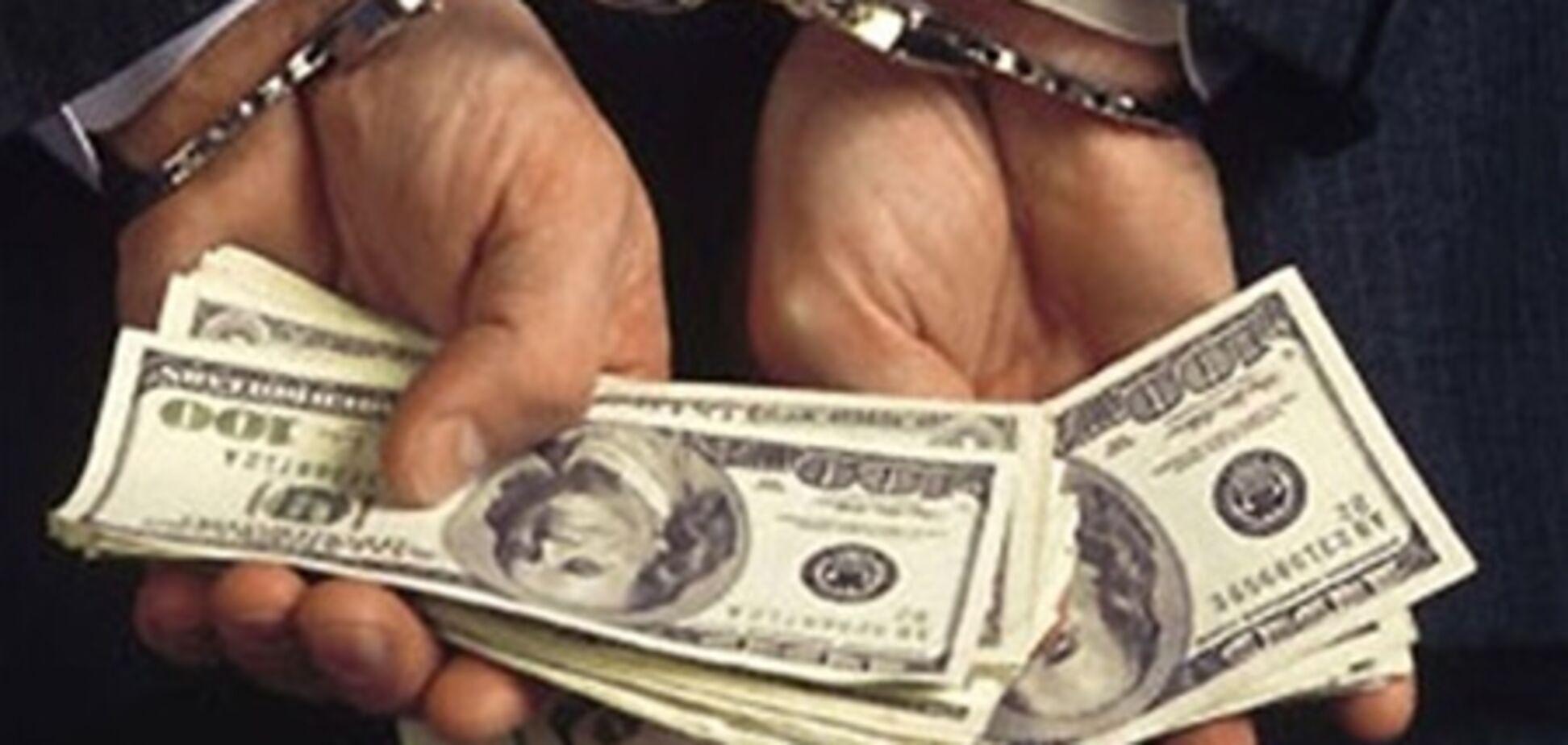 В Киеве взяточник требовал 6 тыс. долларов