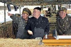 Північна Корея: всі готуються до війни