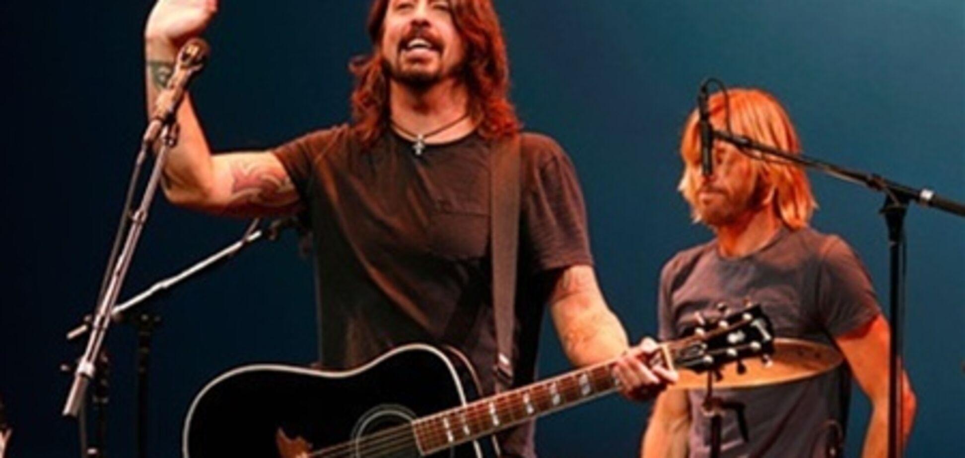 Ударник группы Nirvana пытался заменить Кобейна