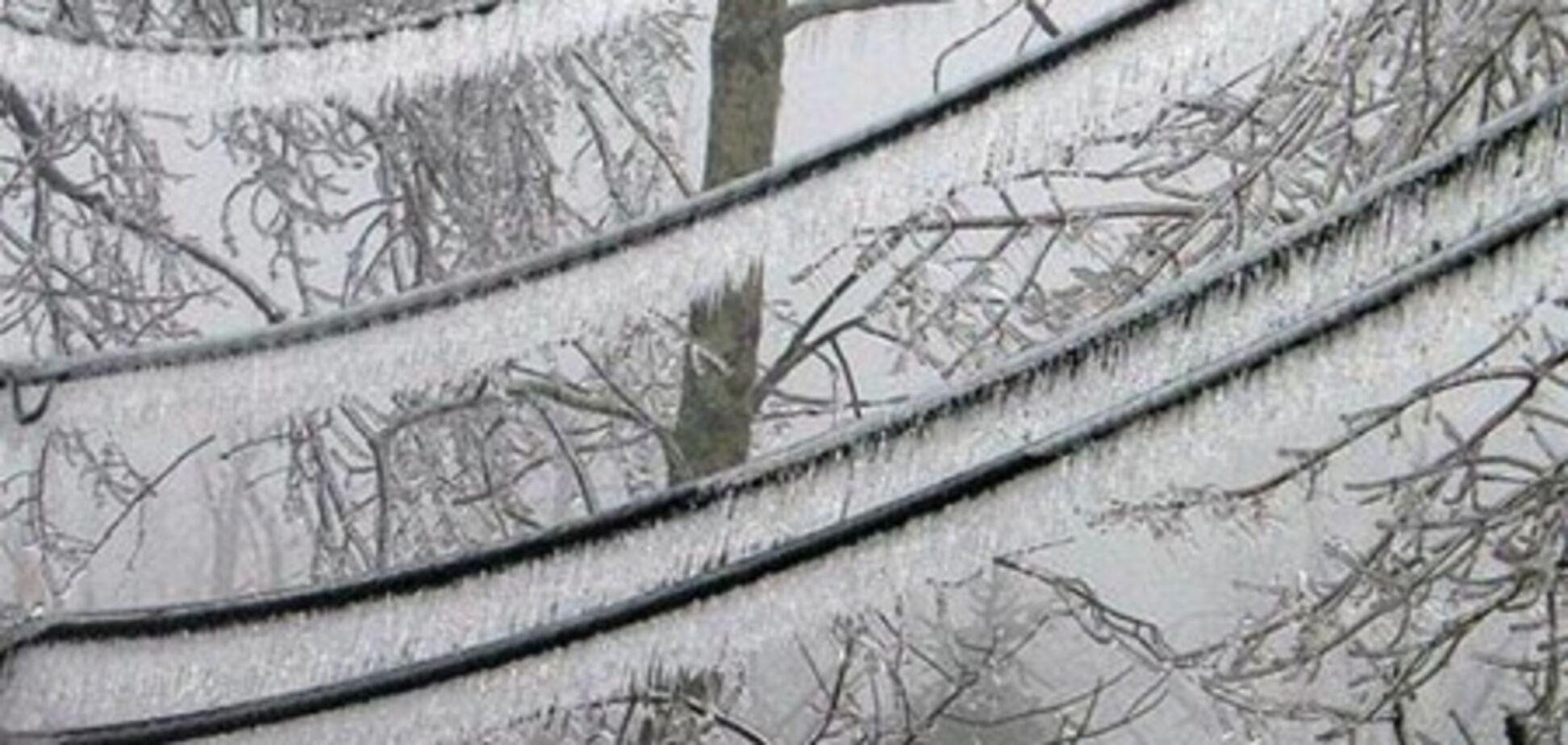 Непогода обесточила почти 400 населенных пунктов