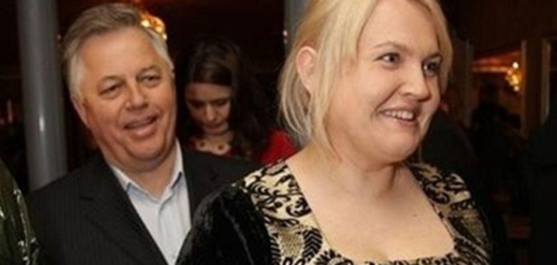 Симоненко гладить собі сорочки сам