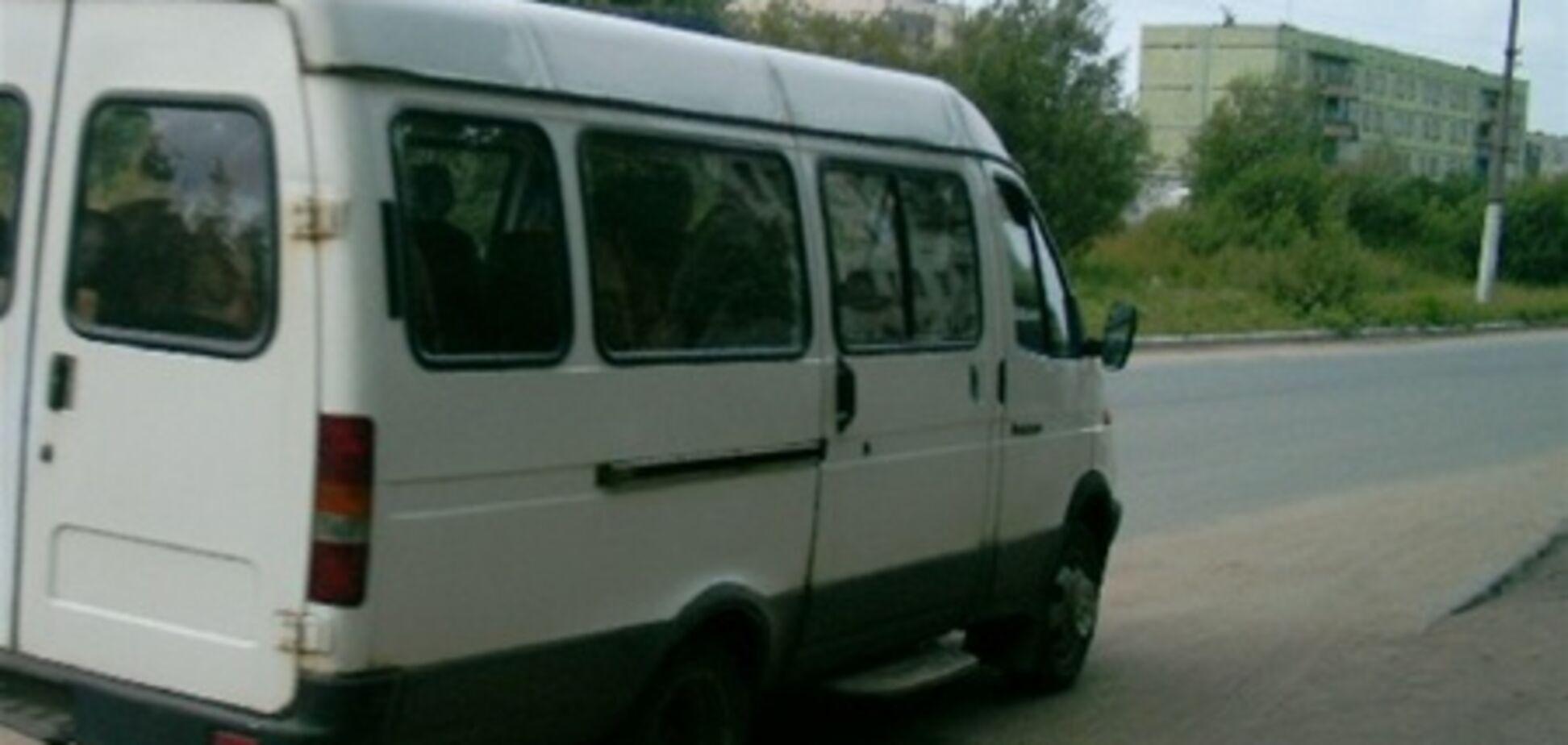 На Днепропетровщине водитель маршрутки избил пассажирку