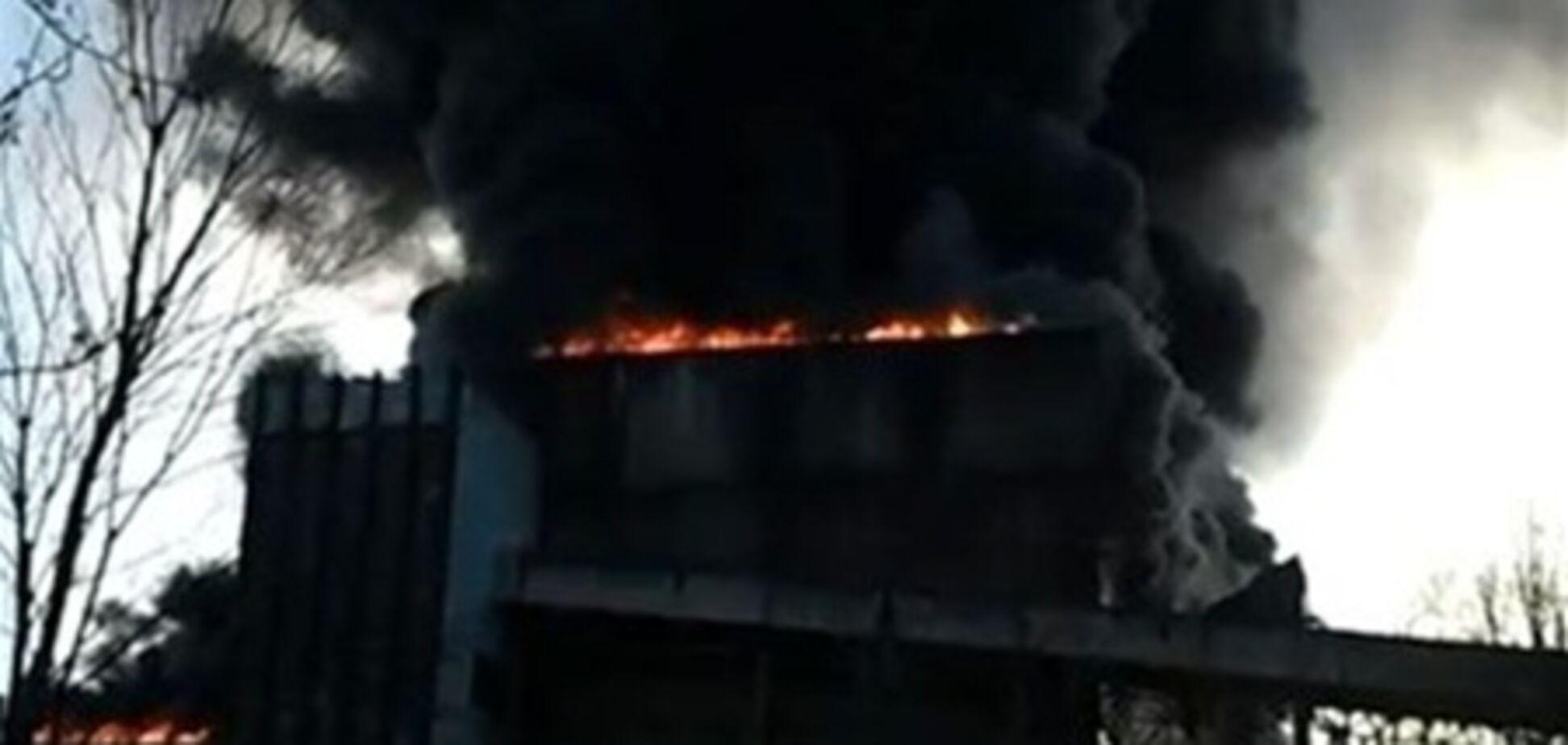 Янукович раздал поручения в связи с пожаром на Углегорской ТЭС