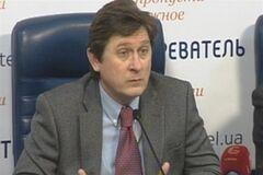 Яценюк хочет исключить Кличко из президентской гонки – политолог