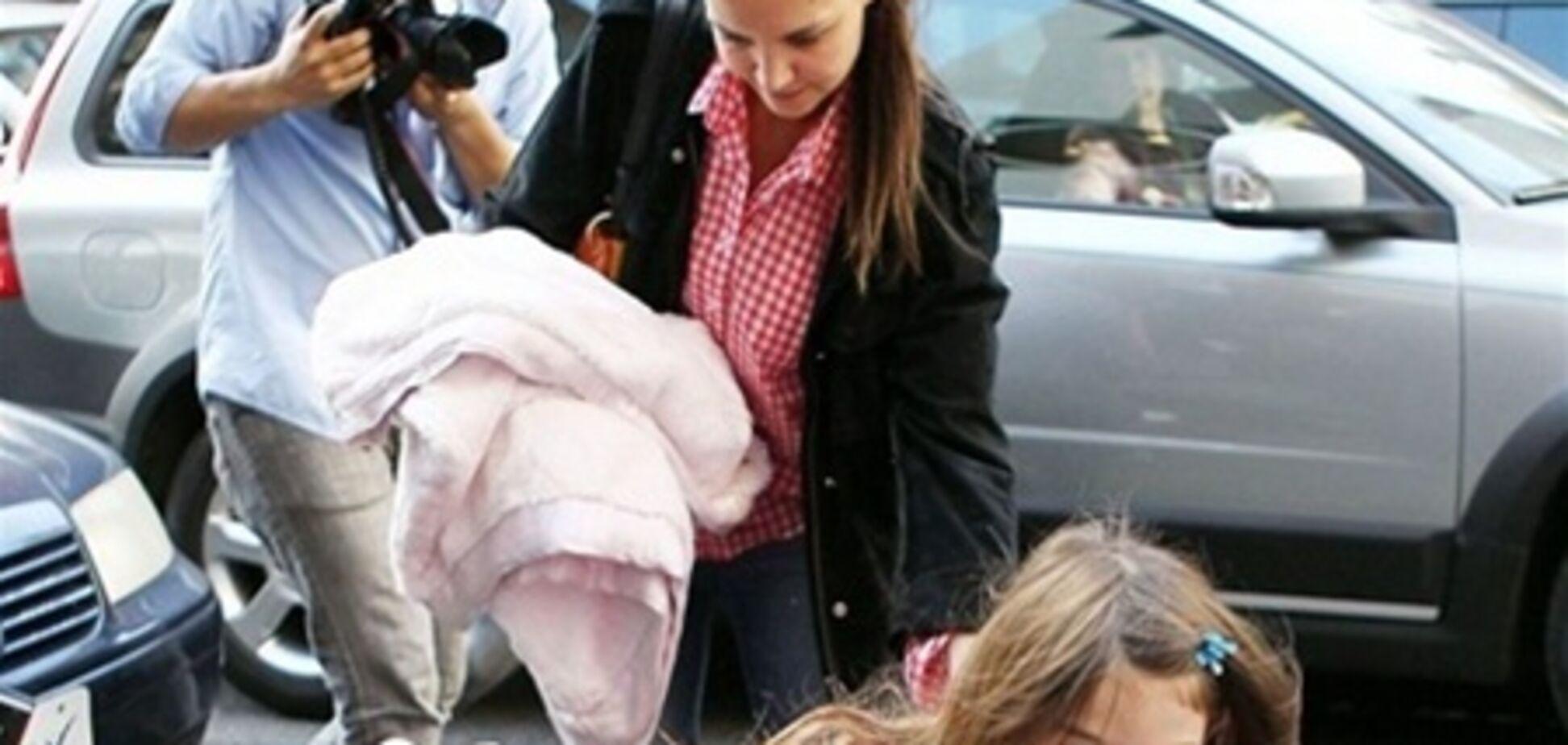 Том Круз нанял для дочери двойника. Фото