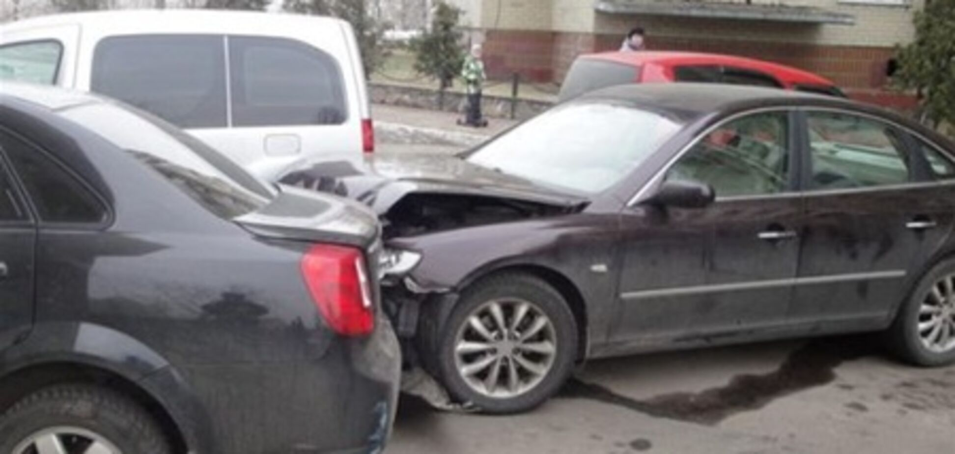 На Оболони пьяный водитель протаранил пять машин