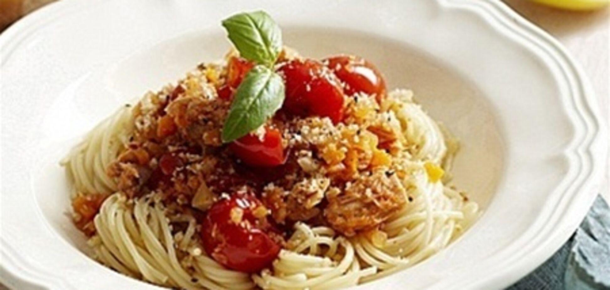 Спагетти с тунцом, фенхелем и чили