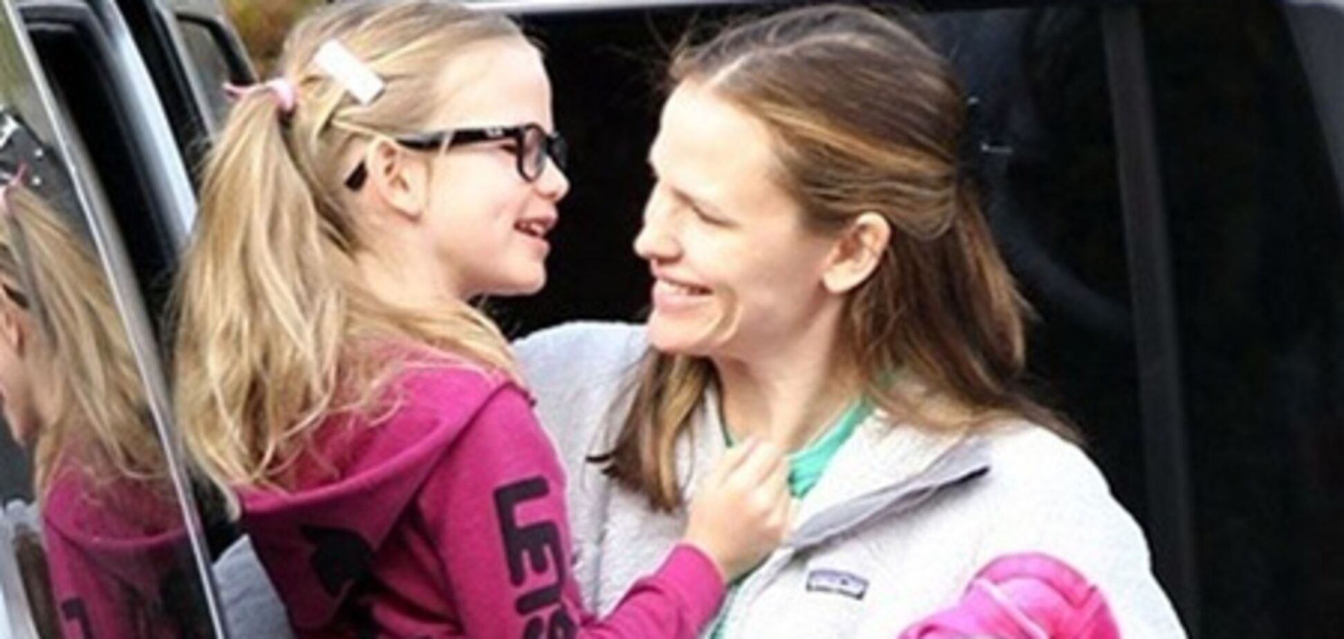 Дженнифер Гарнер забрала Виолет с тренировки. Фото