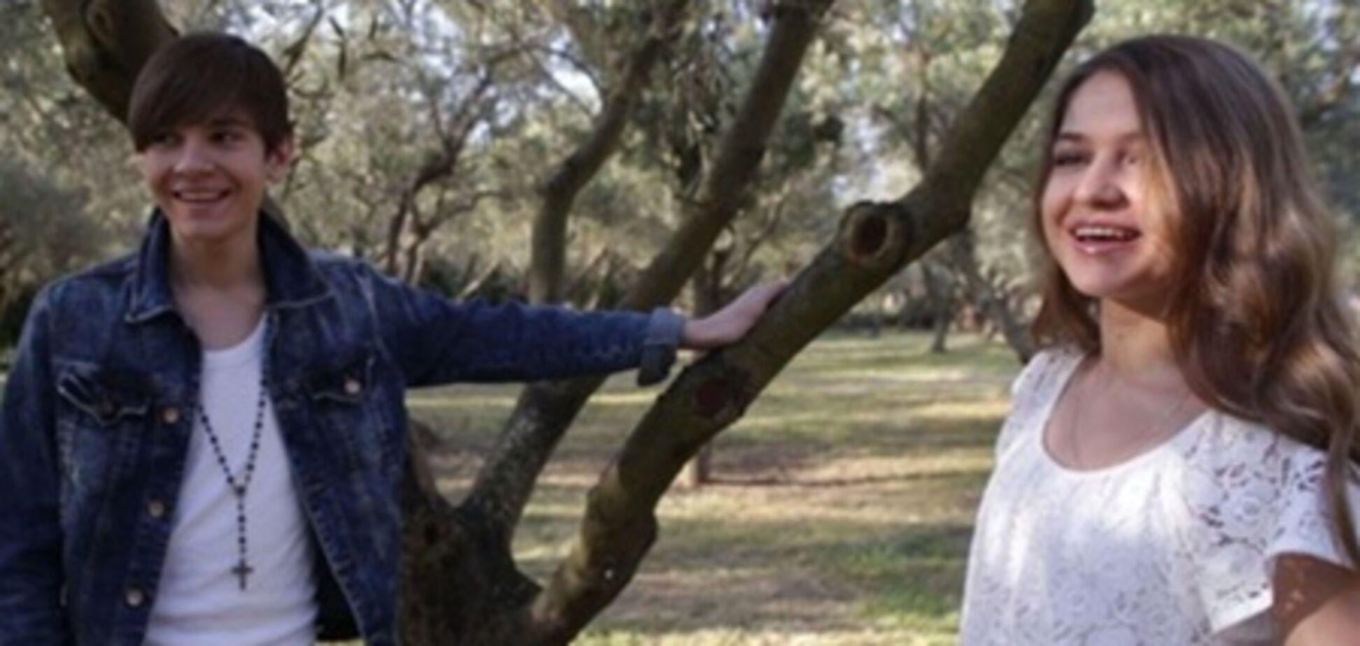 Кіоссе змушений приховувати від фанаток свою дівчину. Фото