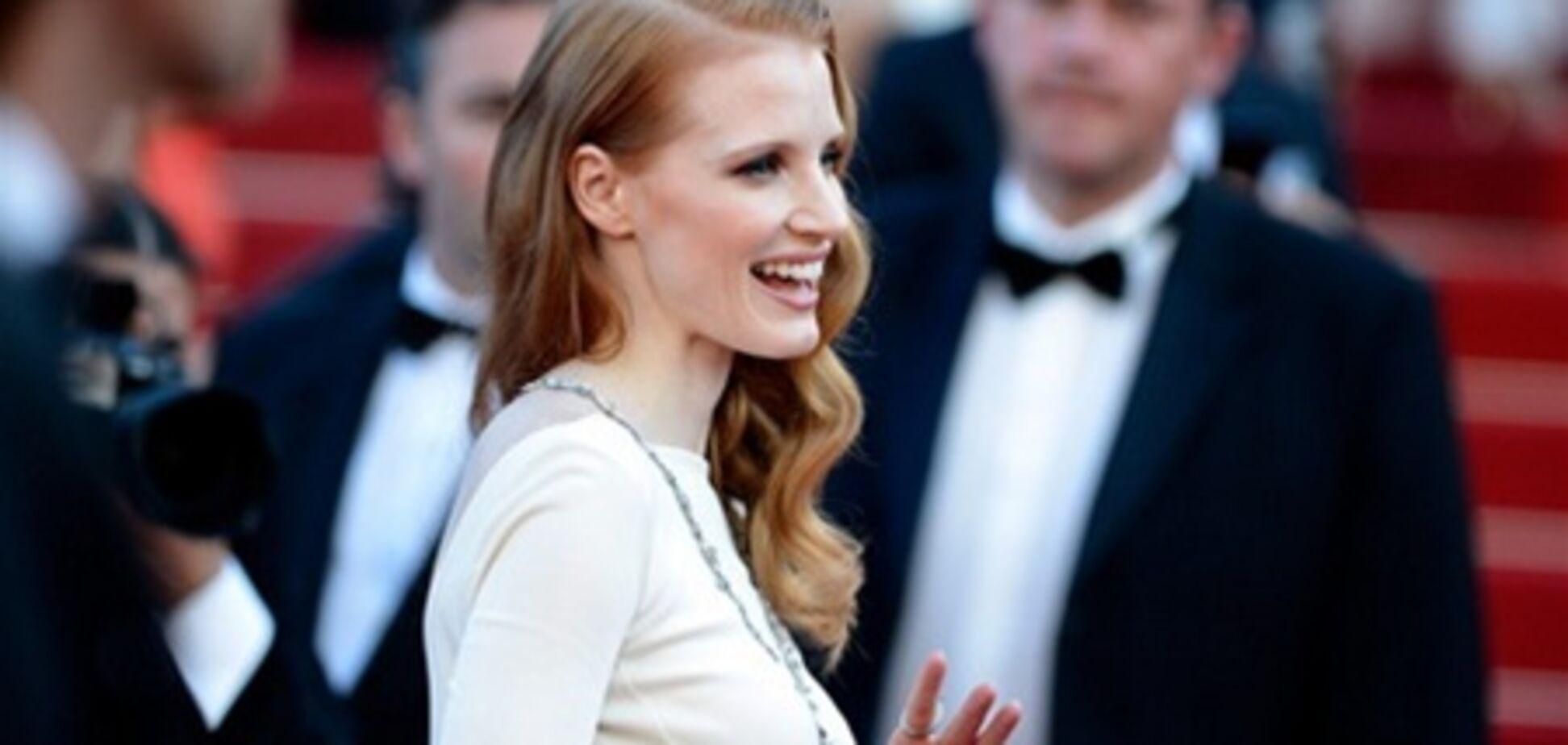 Джессика Честейн на показе 'Клеопатры' в Каннах: в очень закрытом платье