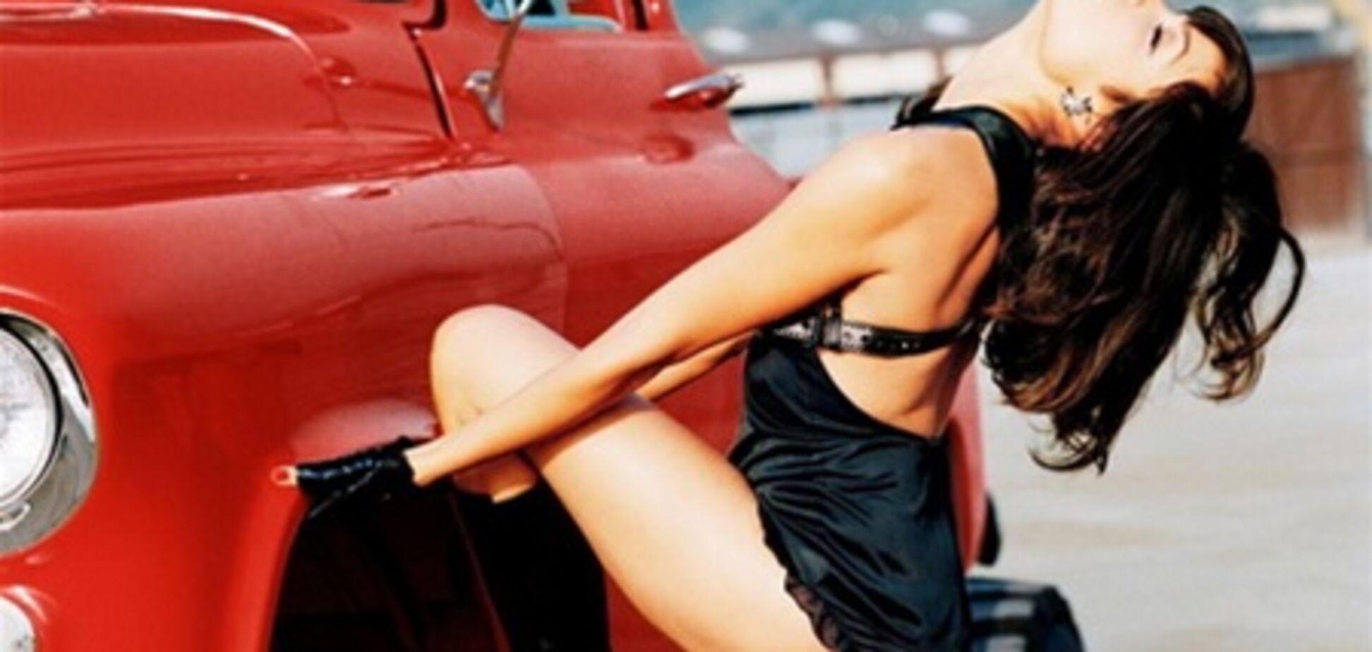 Розарио Доусон: секс посреди разбитых авто