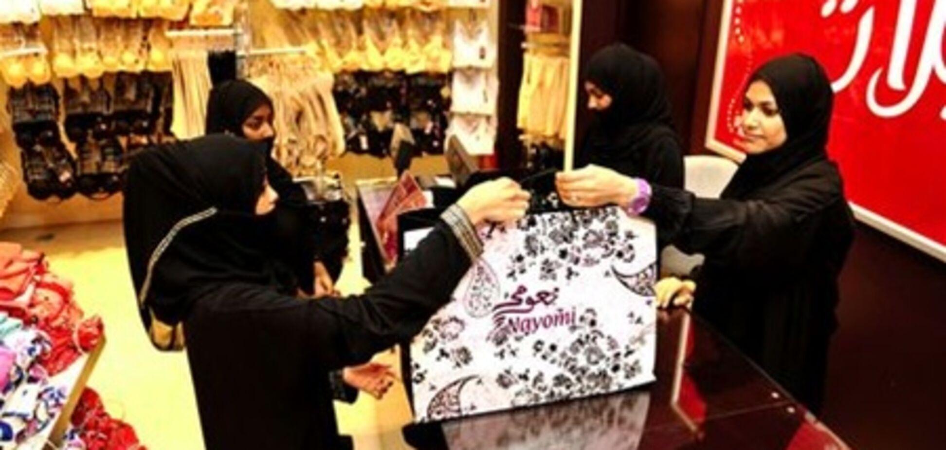 Саудовский писатель призвал домогаться женщин-кассиров